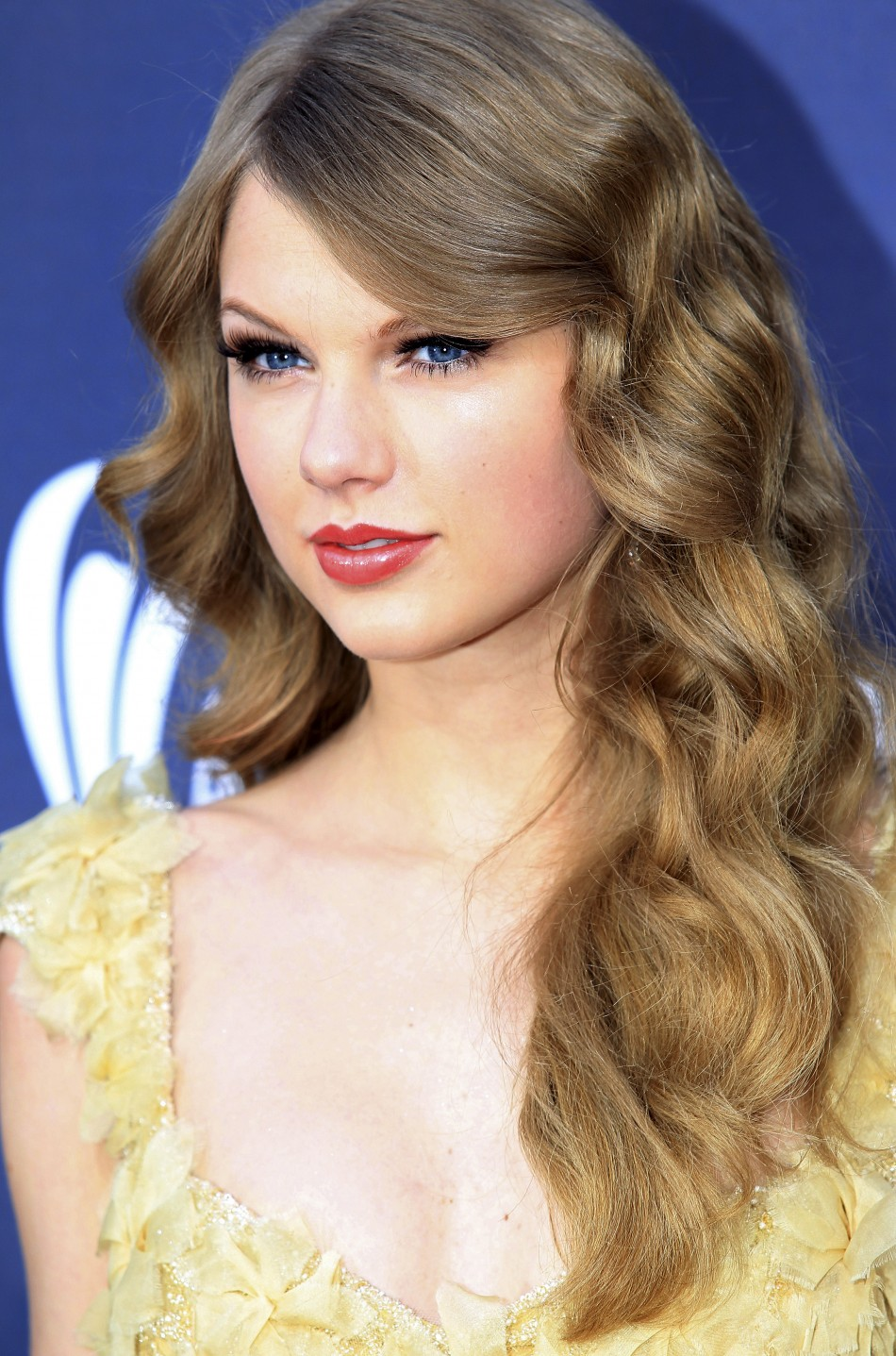 Celeb Jihad: The Smut Site with Topless Photo of Taylor