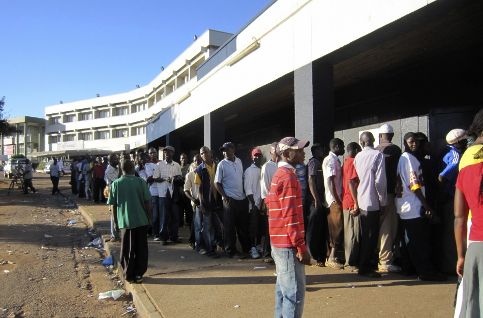 devaluation in malawi Julius agbor examines the economic challenges facing malawi's new   mutharika resisted further nominal devaluation of the kwacha, which.