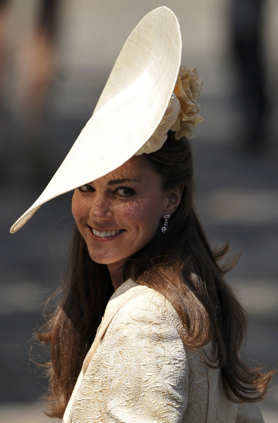 140769 spectacular glimpses royal wedding hats at zara phillips mike tindall