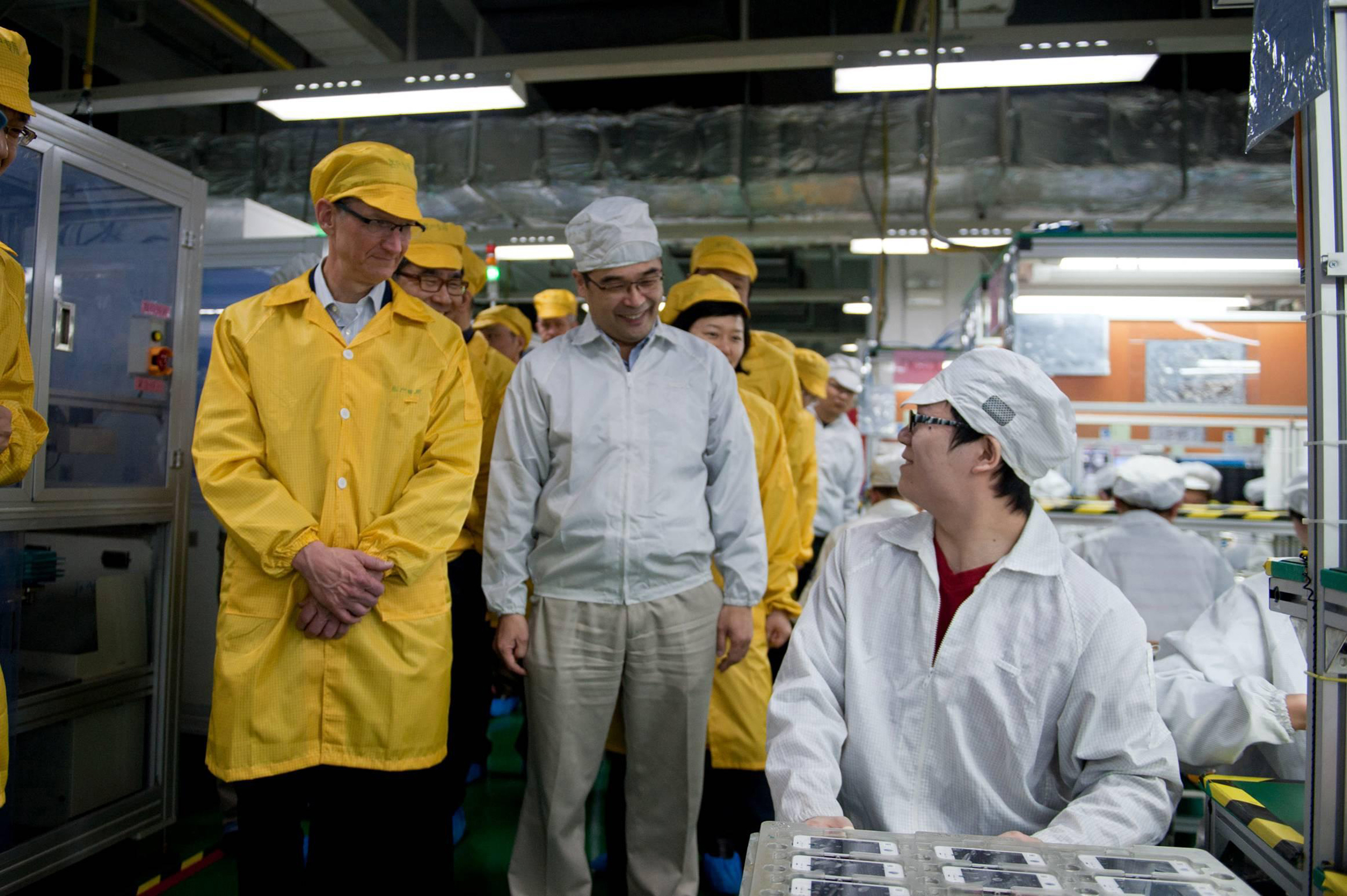Apple supplier Foxconn says it will build big Wisconsin factory