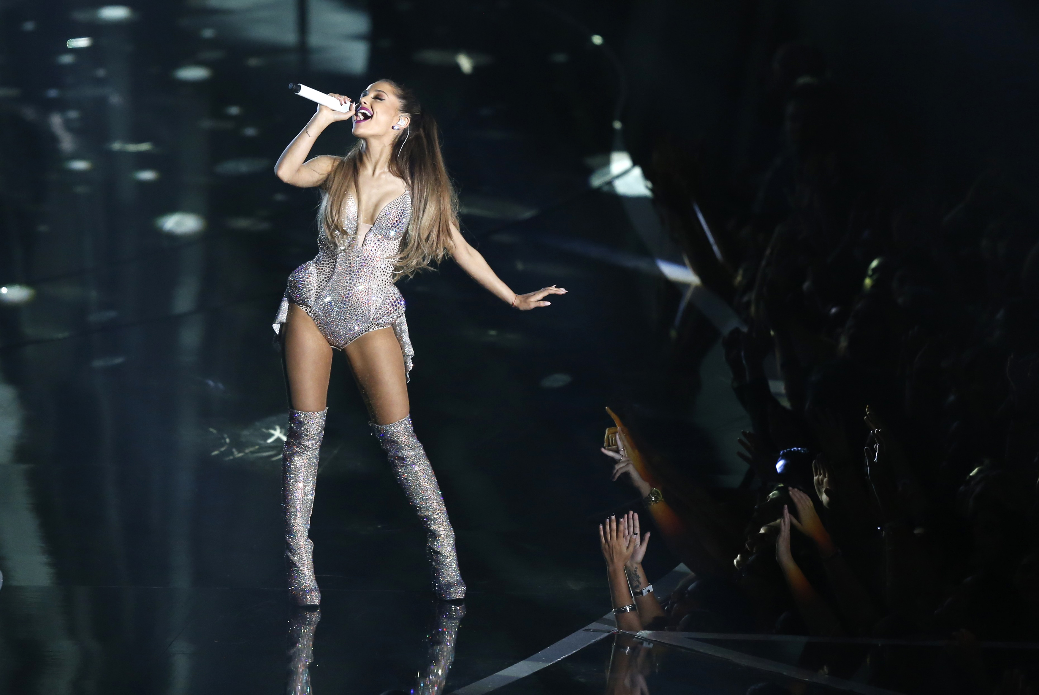 who is ariana grande dating today Ariana grande pushed back on ryan seacrest in la today ariana grande outwits seacrest but succumbs to degeneres' onslaught about dating.