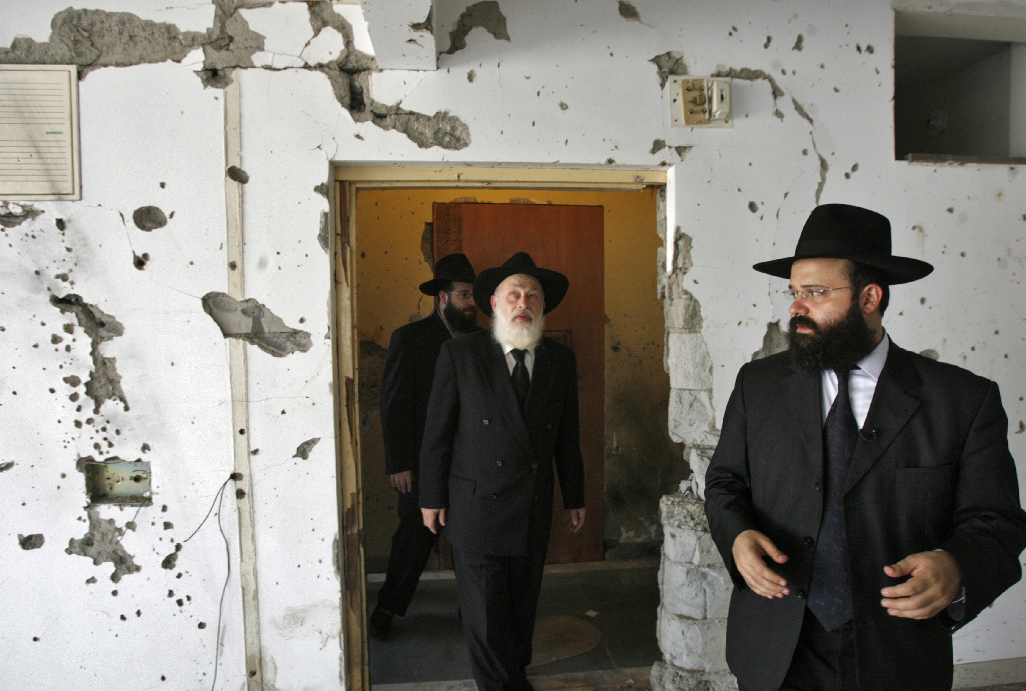 Chabad house a jewish center 39 s reopening in mumbai india for Kosher house