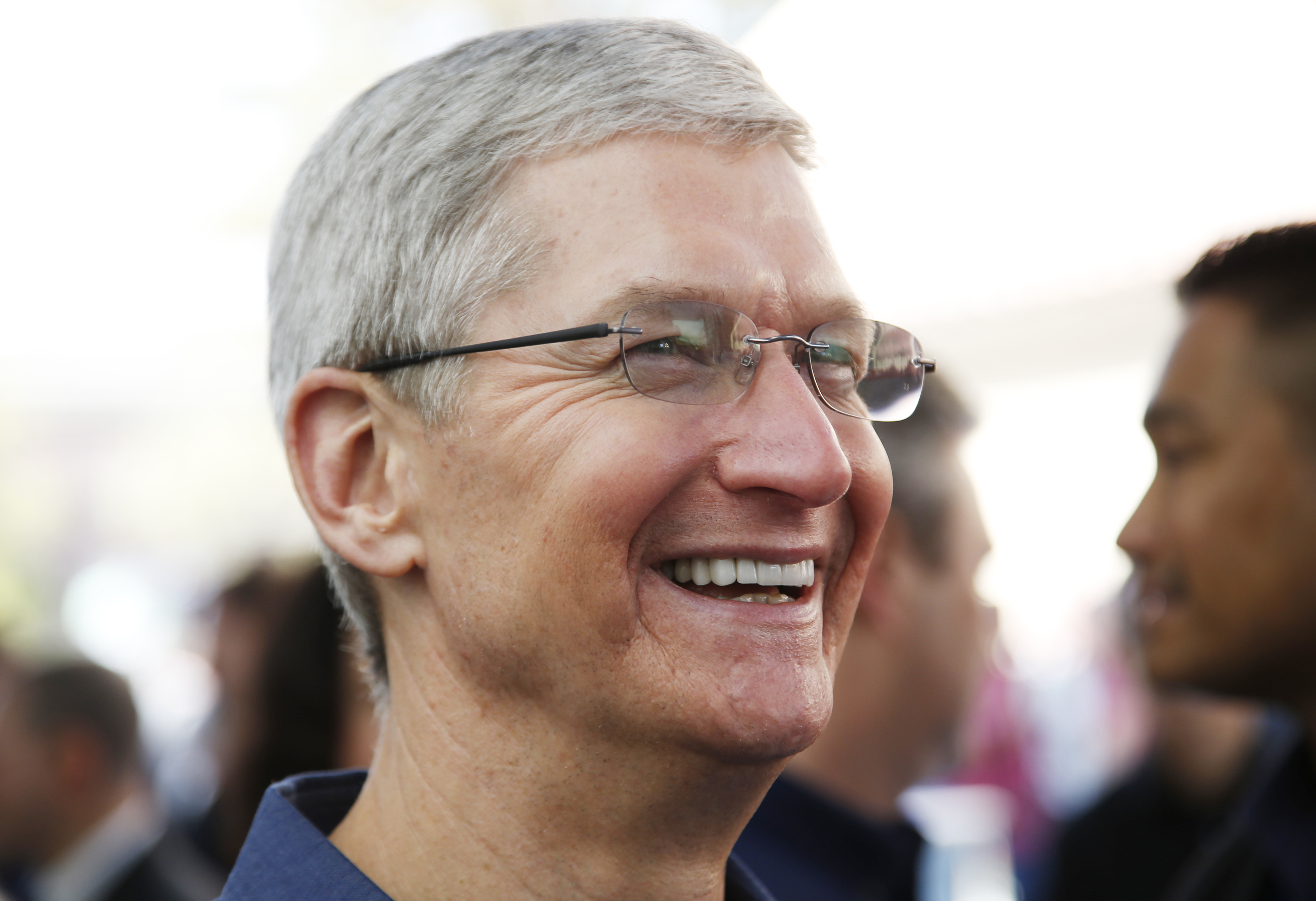 Thrilled by the response apple ceo tim cook said in a tweet that it - Apple Ceo Tim Cook Says He S Gay And It May Not Matter In China S Conservative Market