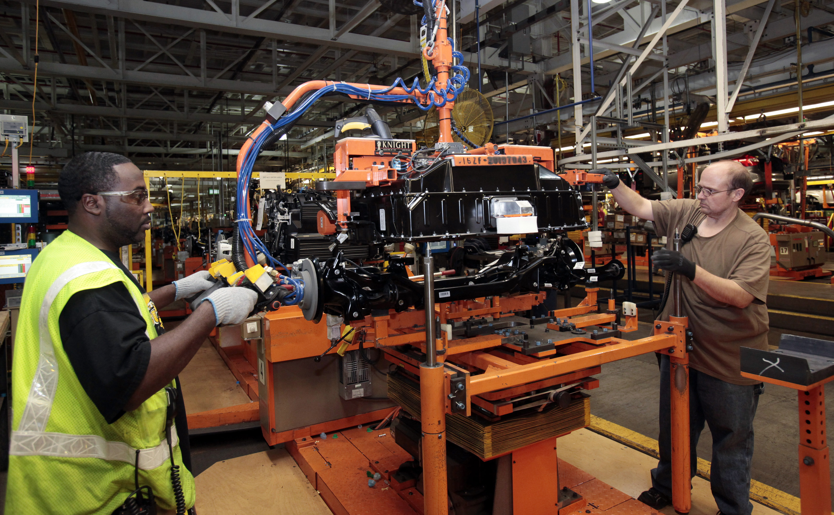 Obama White House Tour Obama Touts Us Auto Industry Revival With Visit To Factory