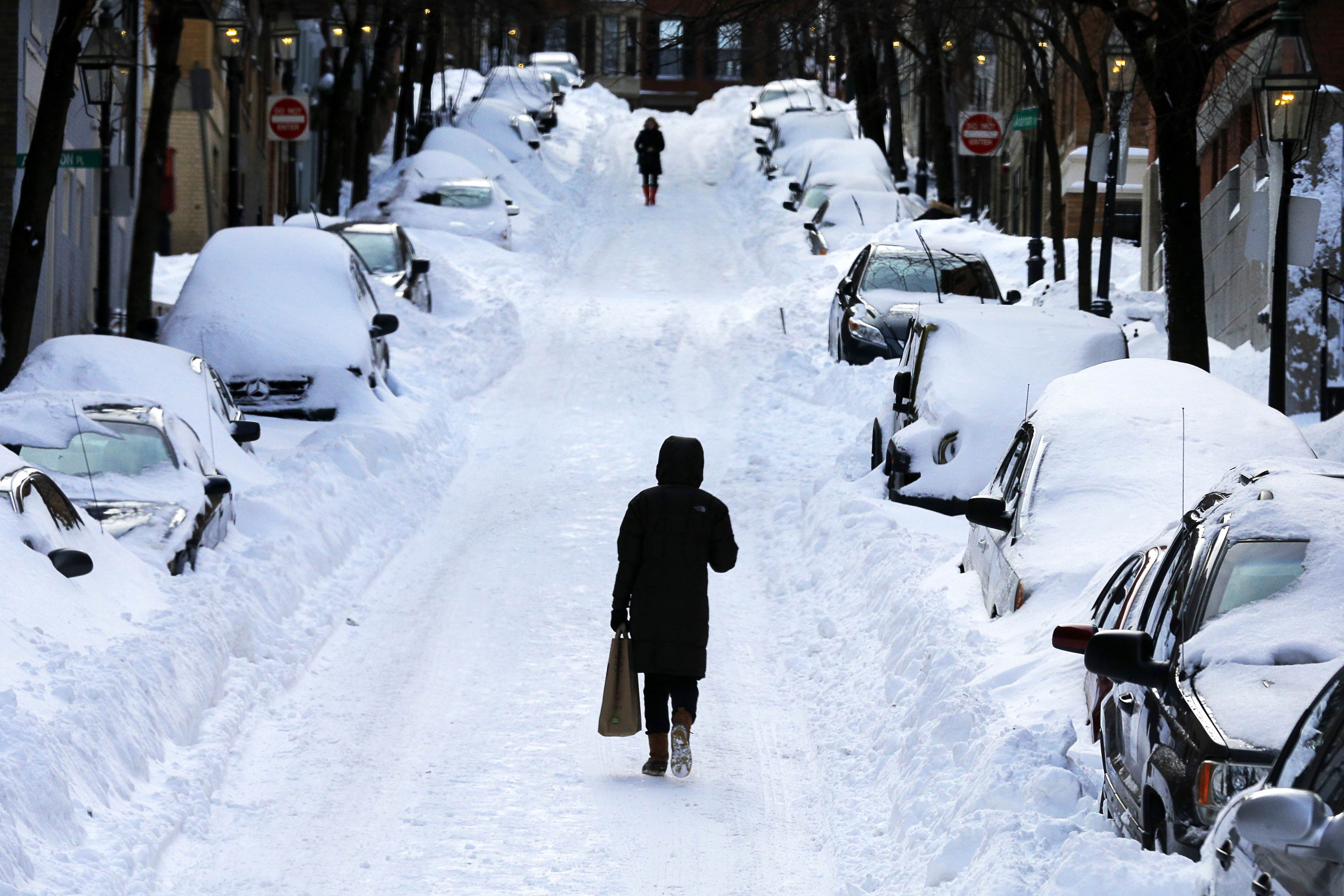 Winter Storm Set To Batter Midwest And Northeast Into Monday