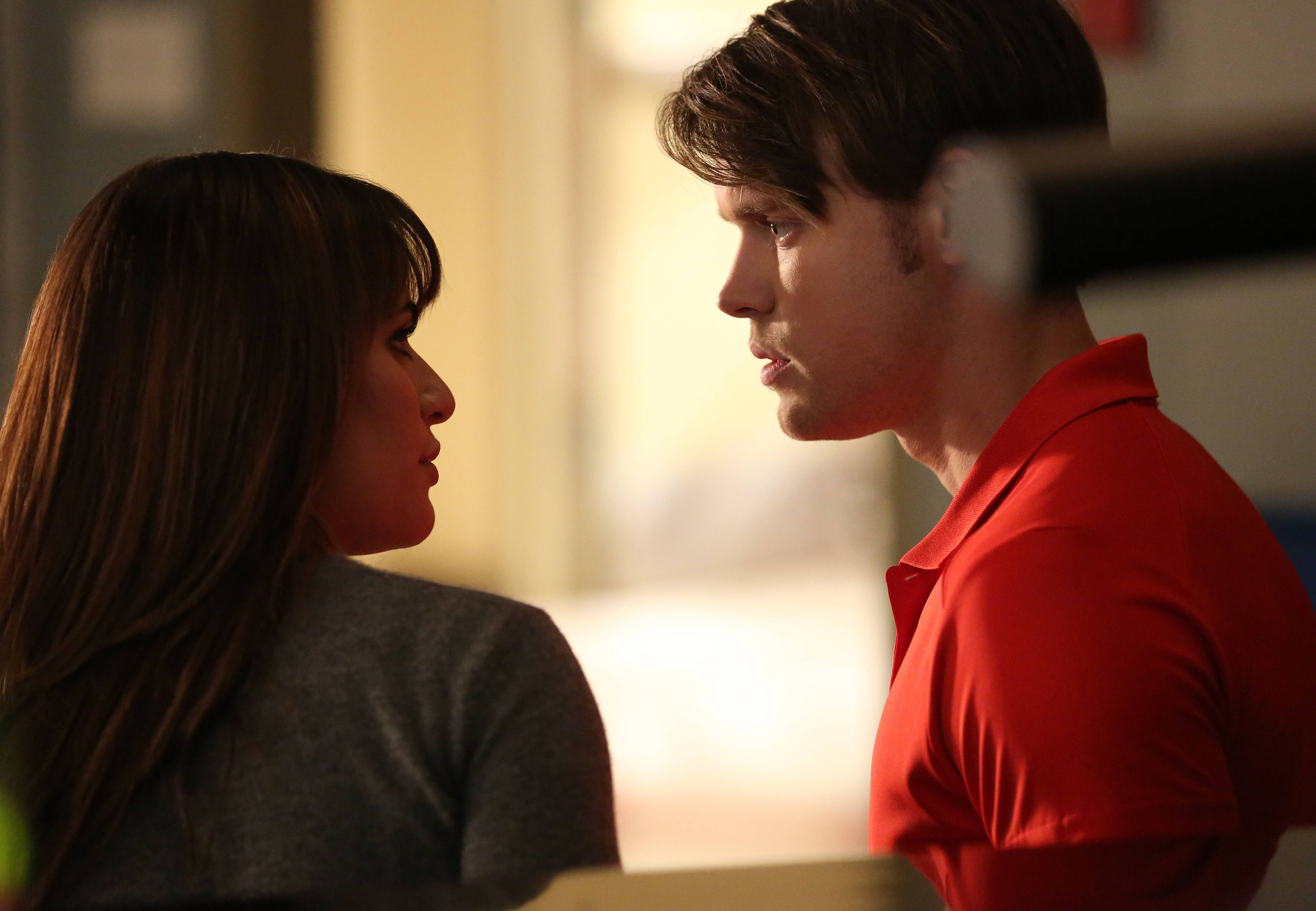 sam and rachel dating glee Jesse and rachel begin dating, and he briefly transfers to mckinley high,  he joins rachel, sam and mercedes, who have teamed up to go do prom on a budget,.