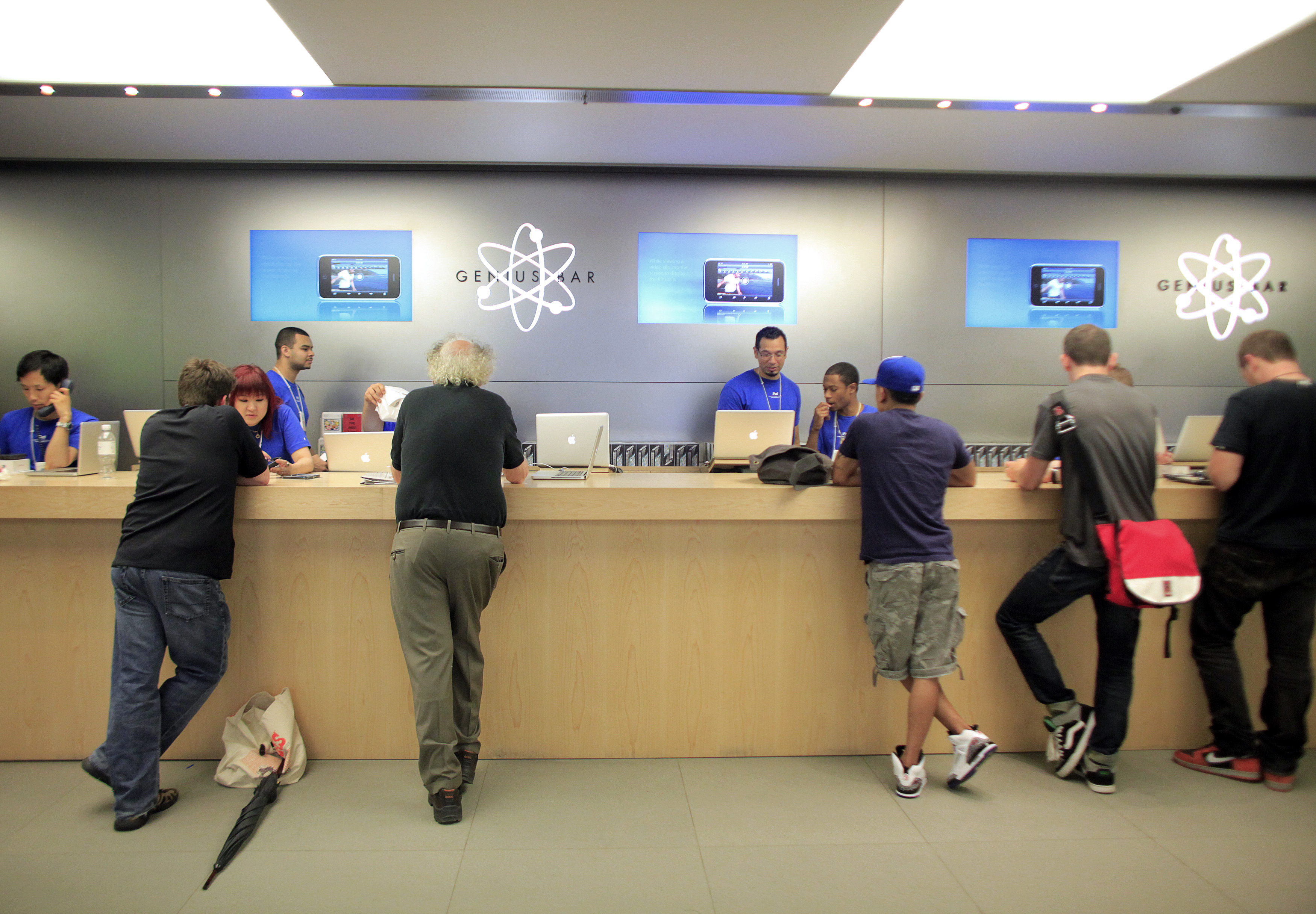 Apple Inc. Will Overhaul Store Genius Bar By Dumping ... - photo#11