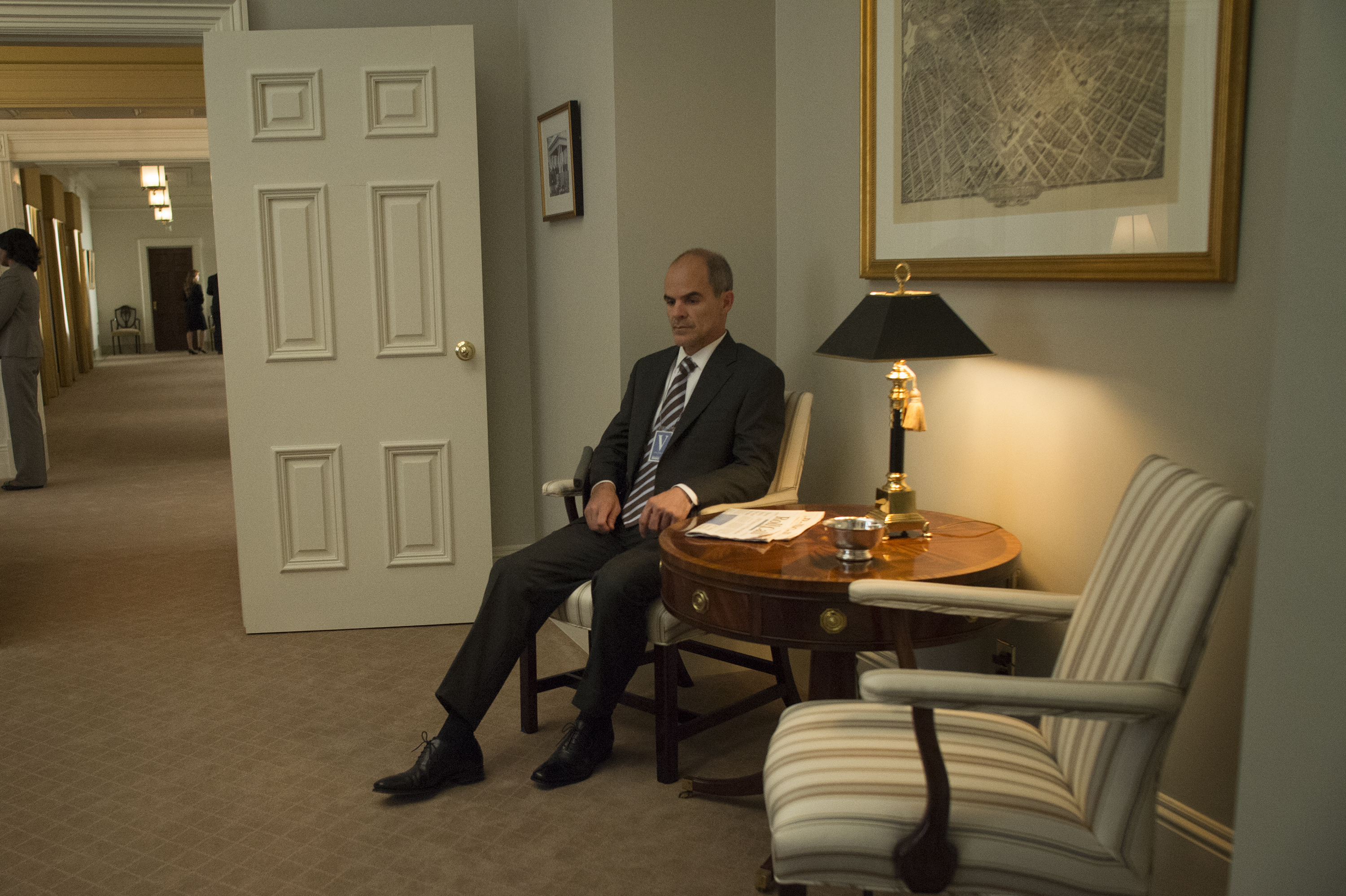 House Of Cards Season 3 Spoilers Michael Kelly Talks Doug Stampers Surprising Fate A Secret He Was Forced To Keep For Year