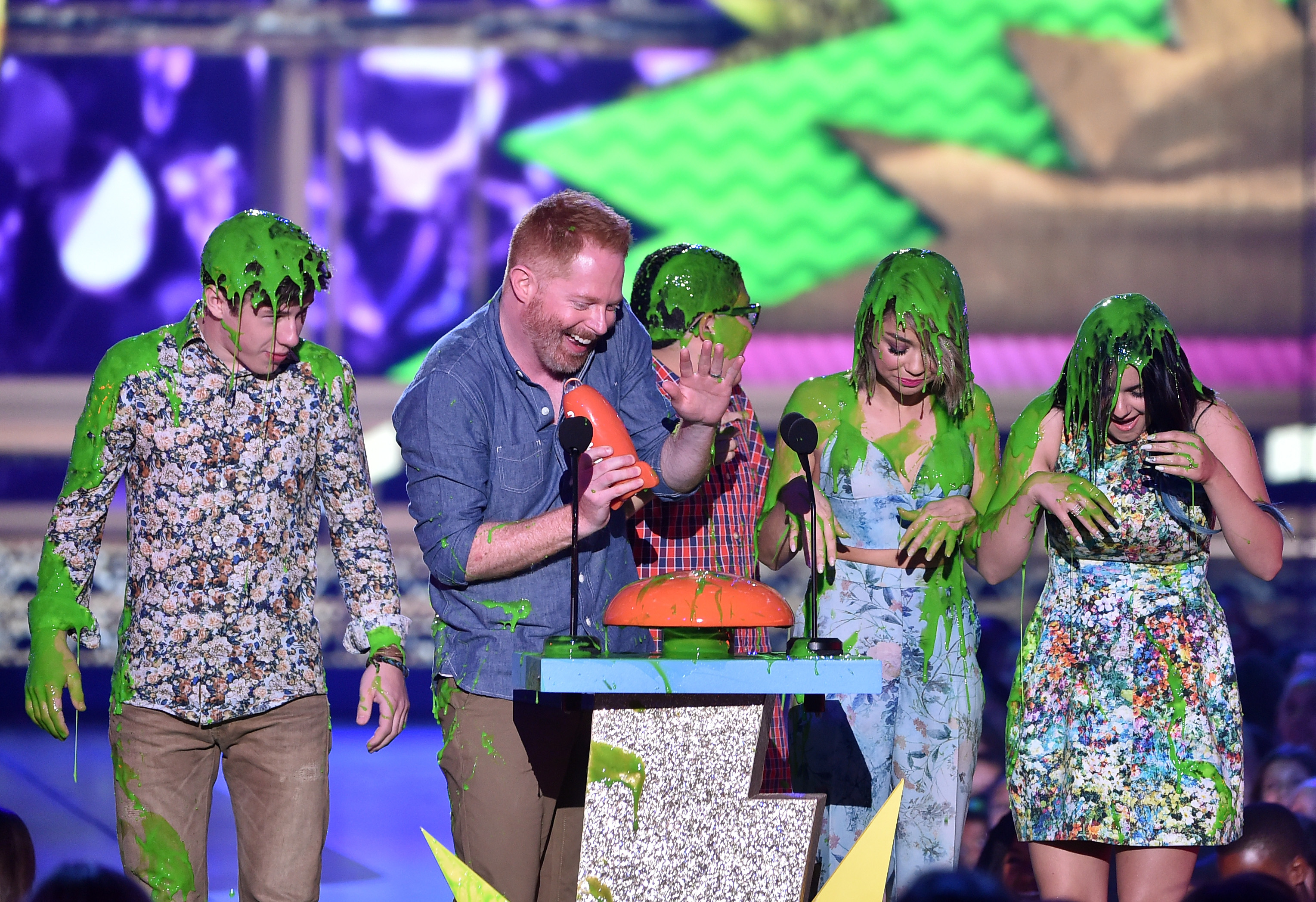 how to get tickets to kids choice awards