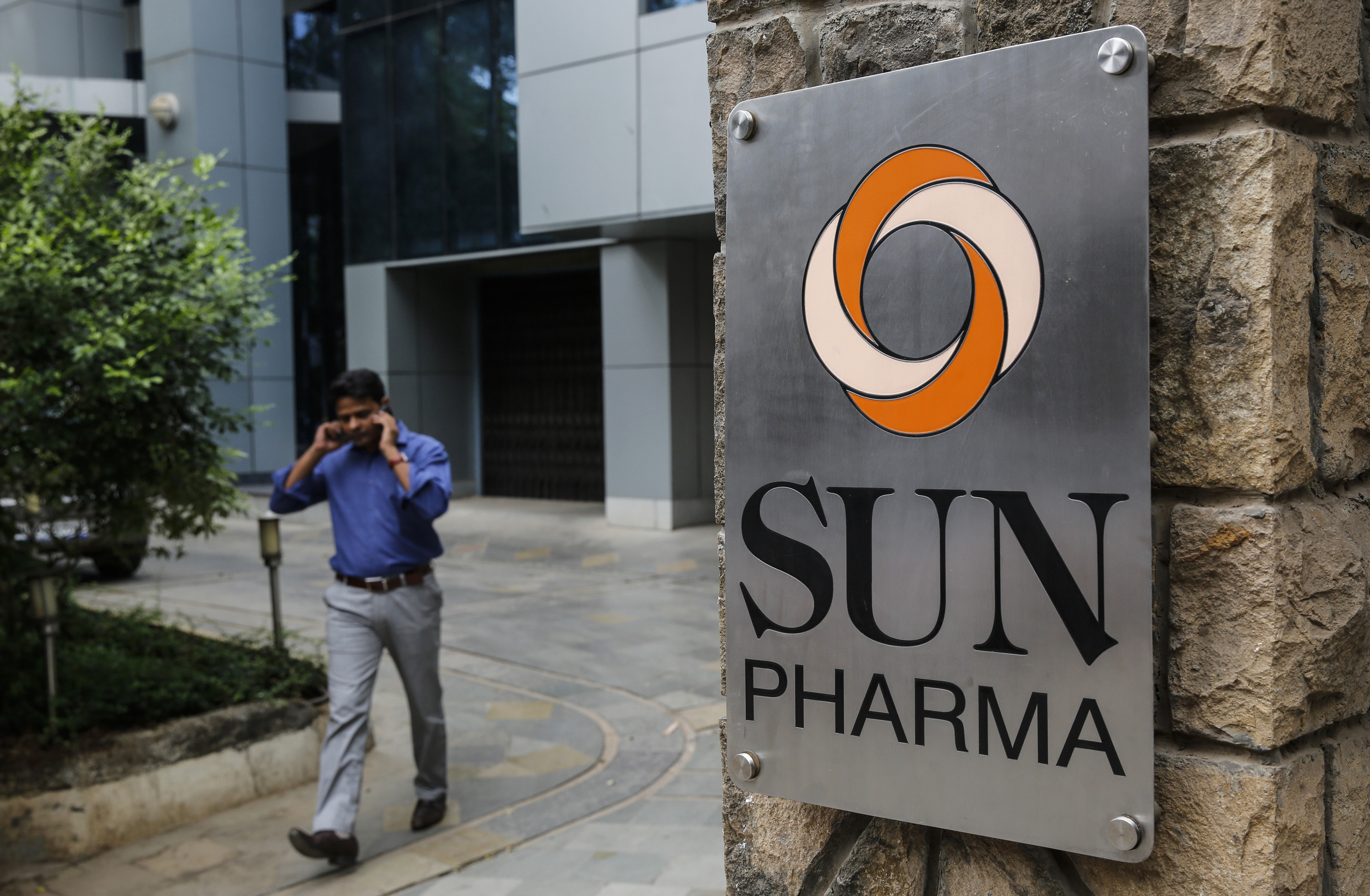 drug companies replace s reps in medical specialists