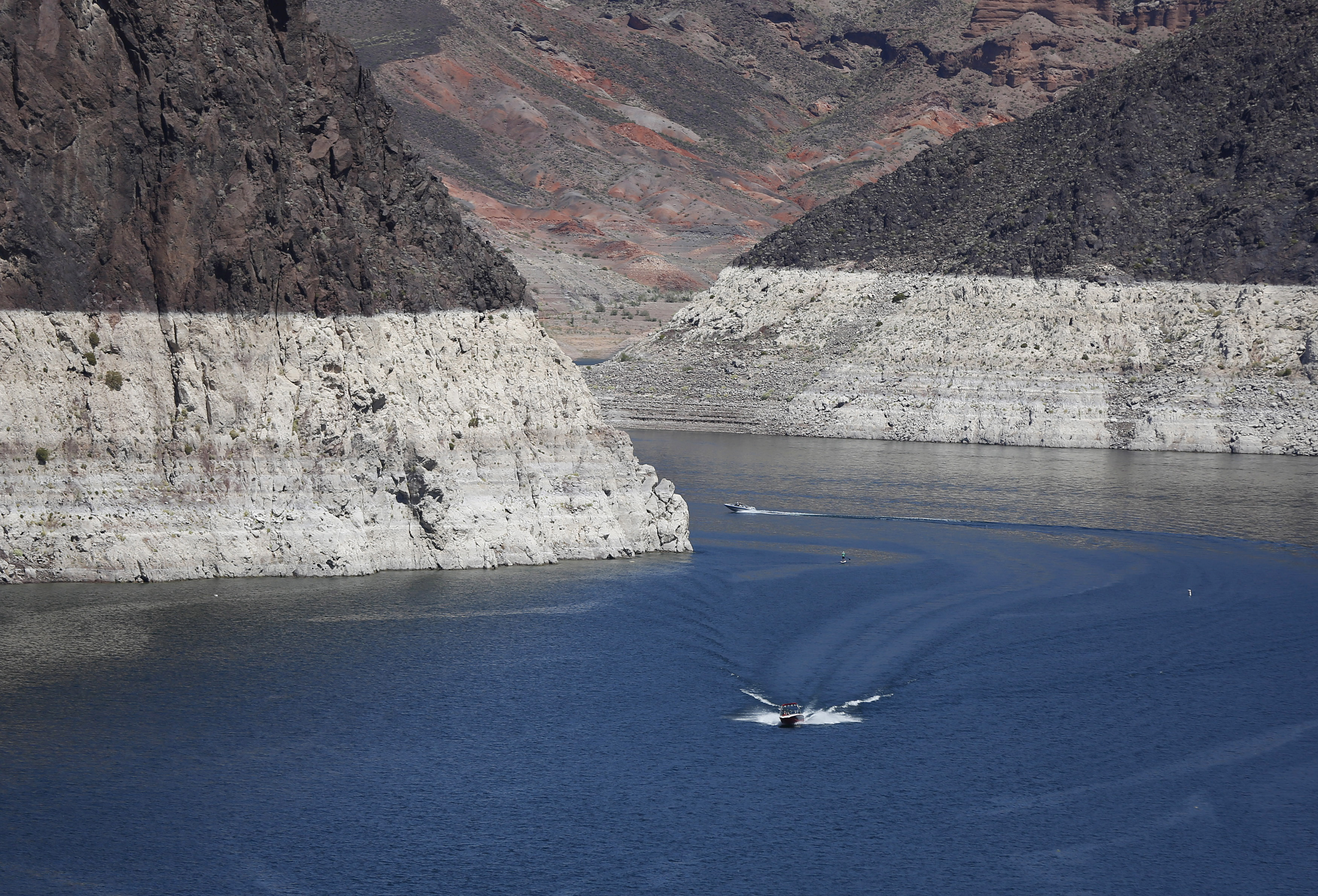 Lake Mead 2015: Photos Show Water Level Nearing Record Low ...