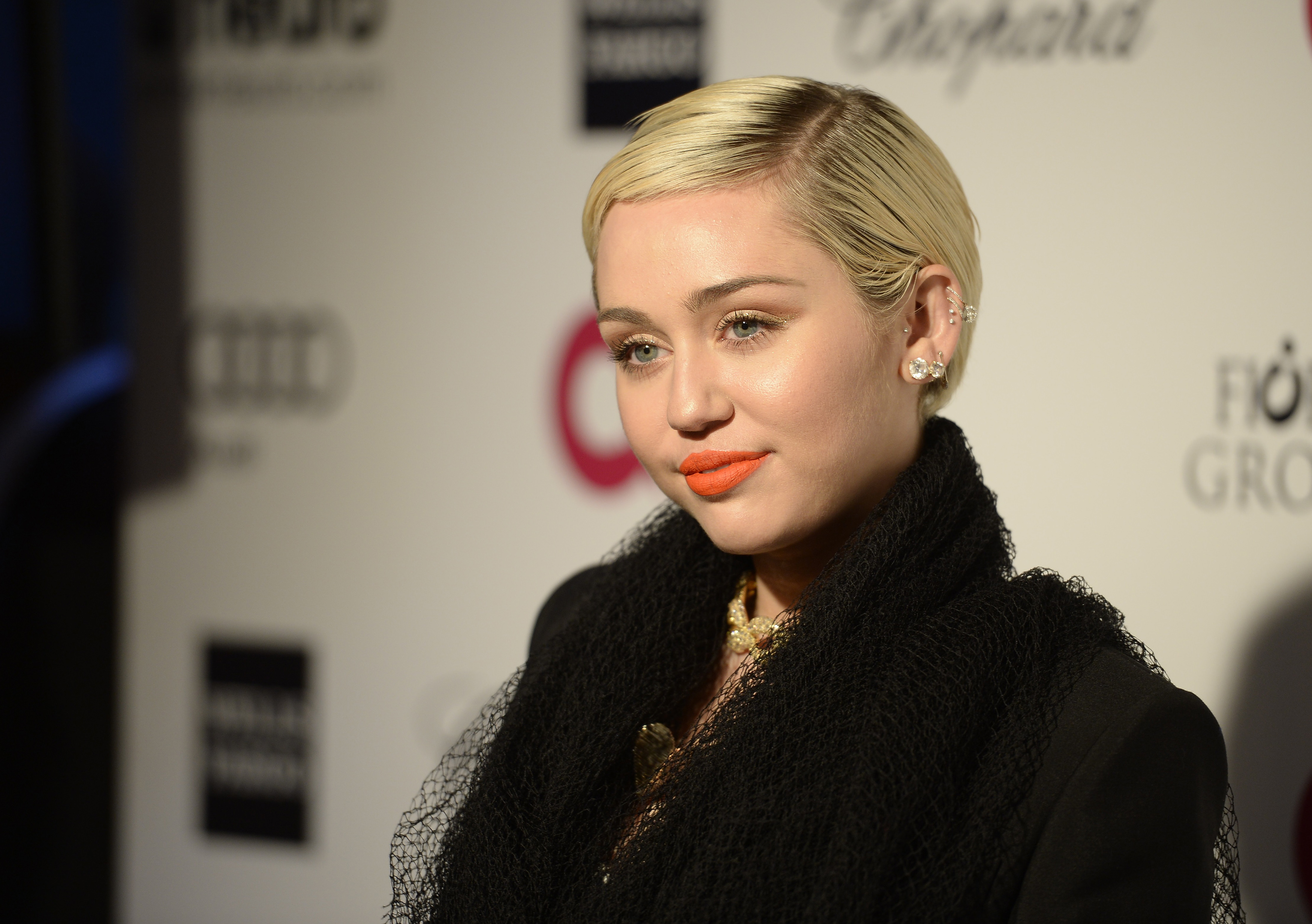 what is miley cyrus u0027 happy hippie foundation 5 things to know