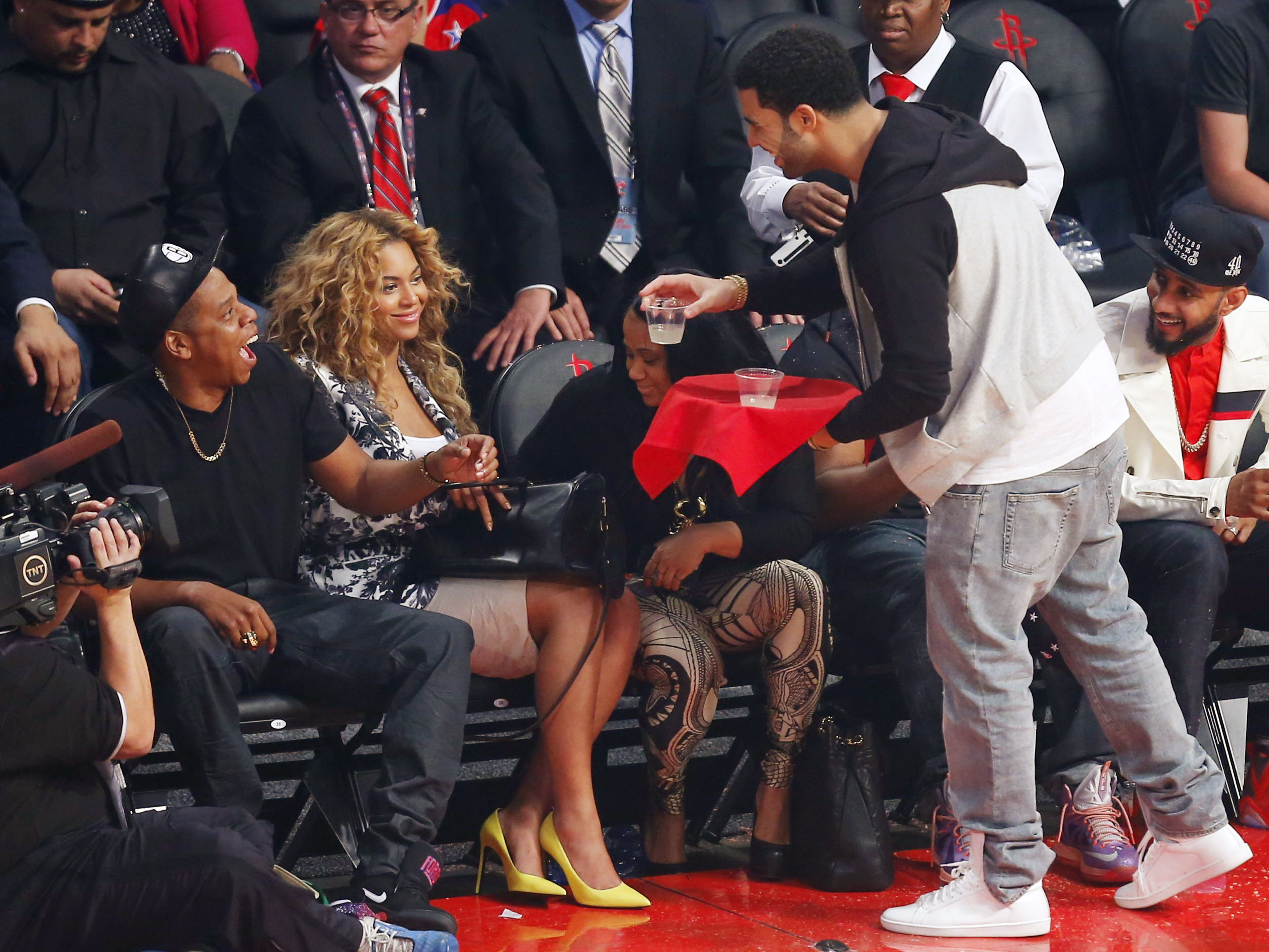 Drake, Beyoncé Team On 'Can I'; Song Leaks On Internet