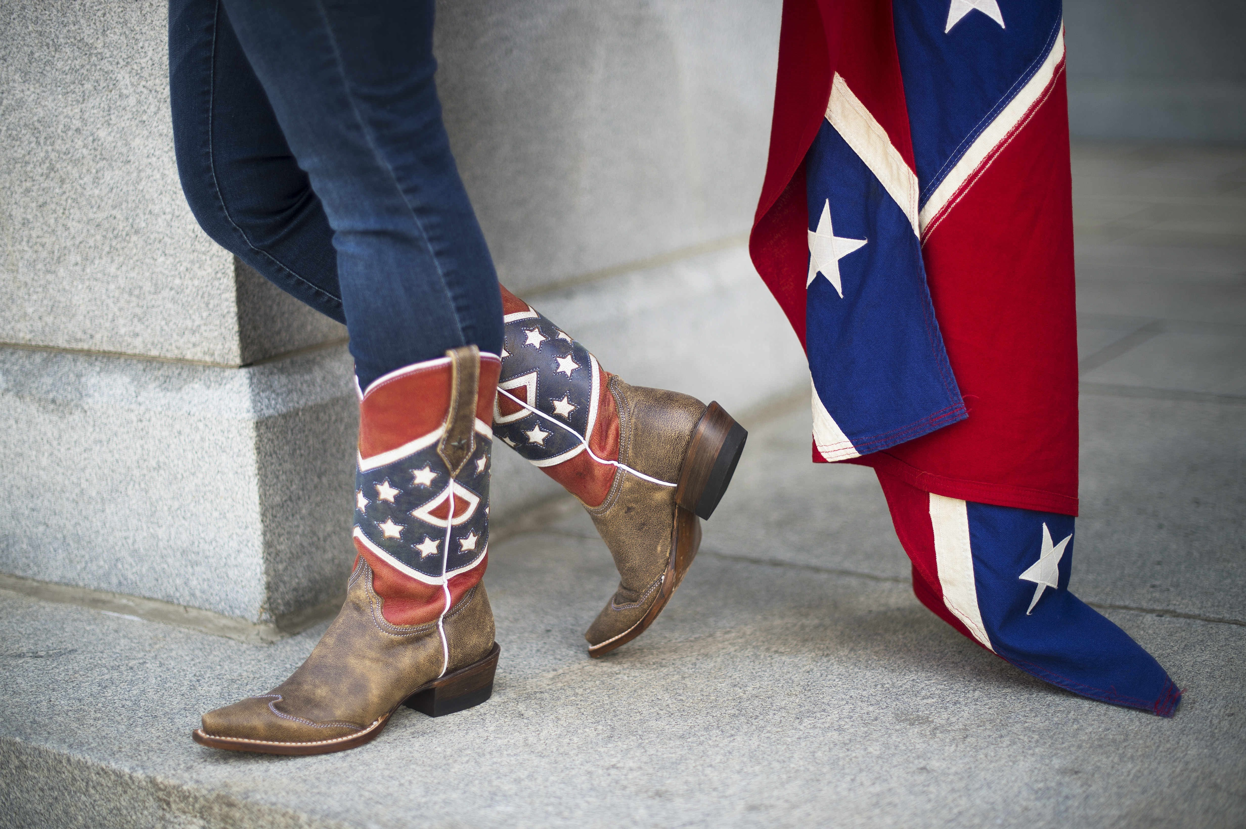 white supremacy in the south Tony dokoupil investigates white supremacy's rise in america and how its adherents hope to infiltrate the mainstream.