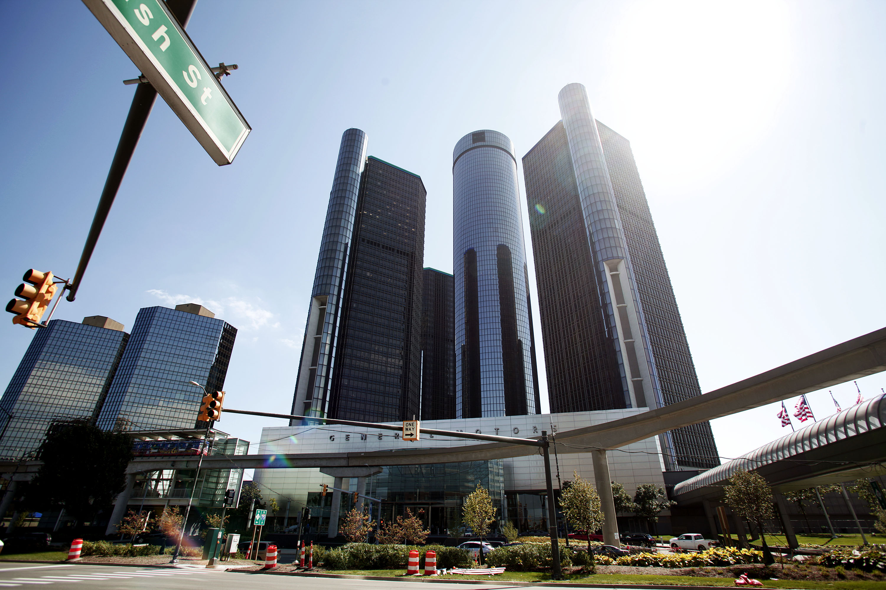 Gm encounters new ignition switch problem recalls 3 300 for General motors suvs 2015