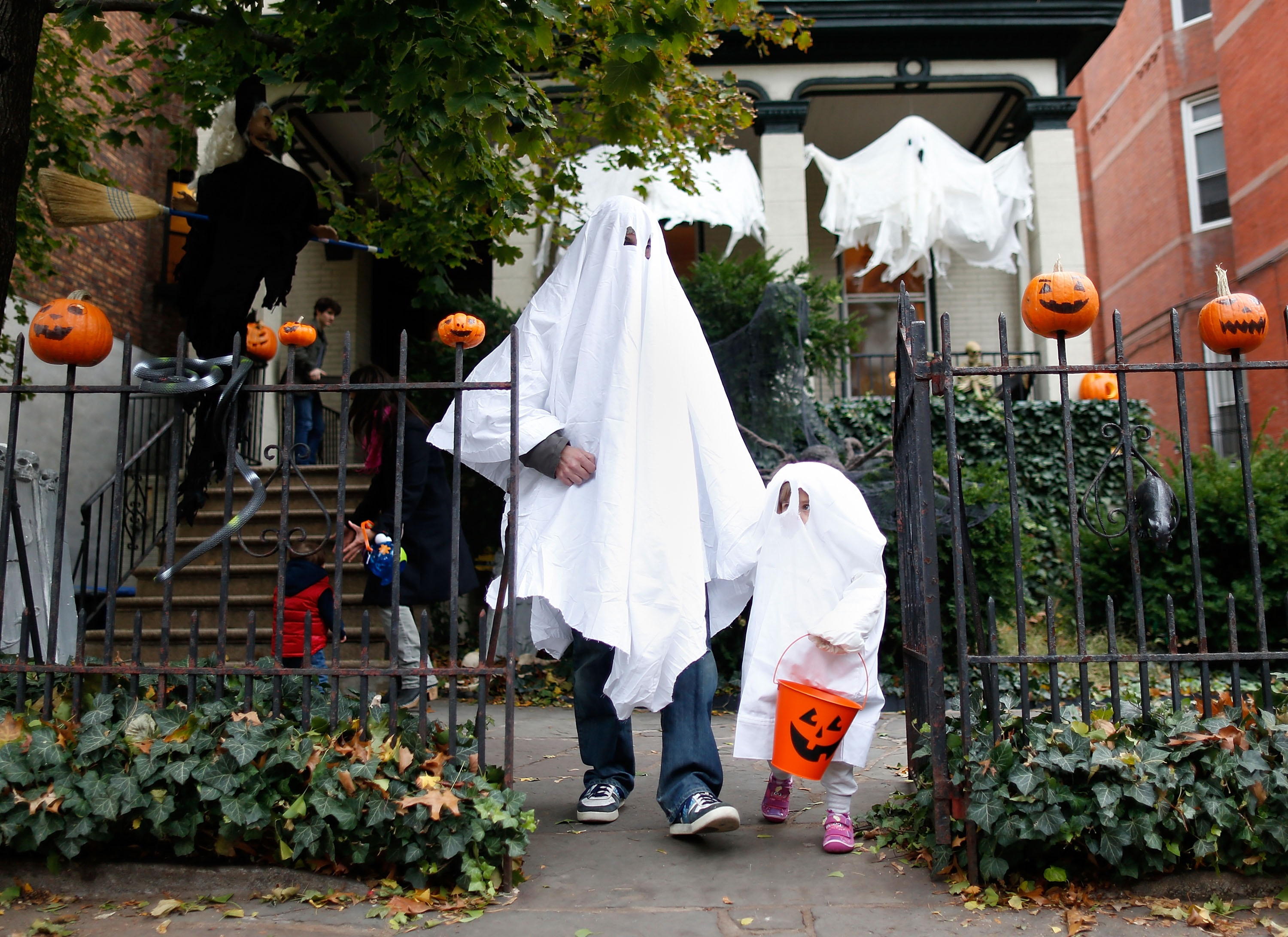 How do you find trick-or-treating times in Ohio?
