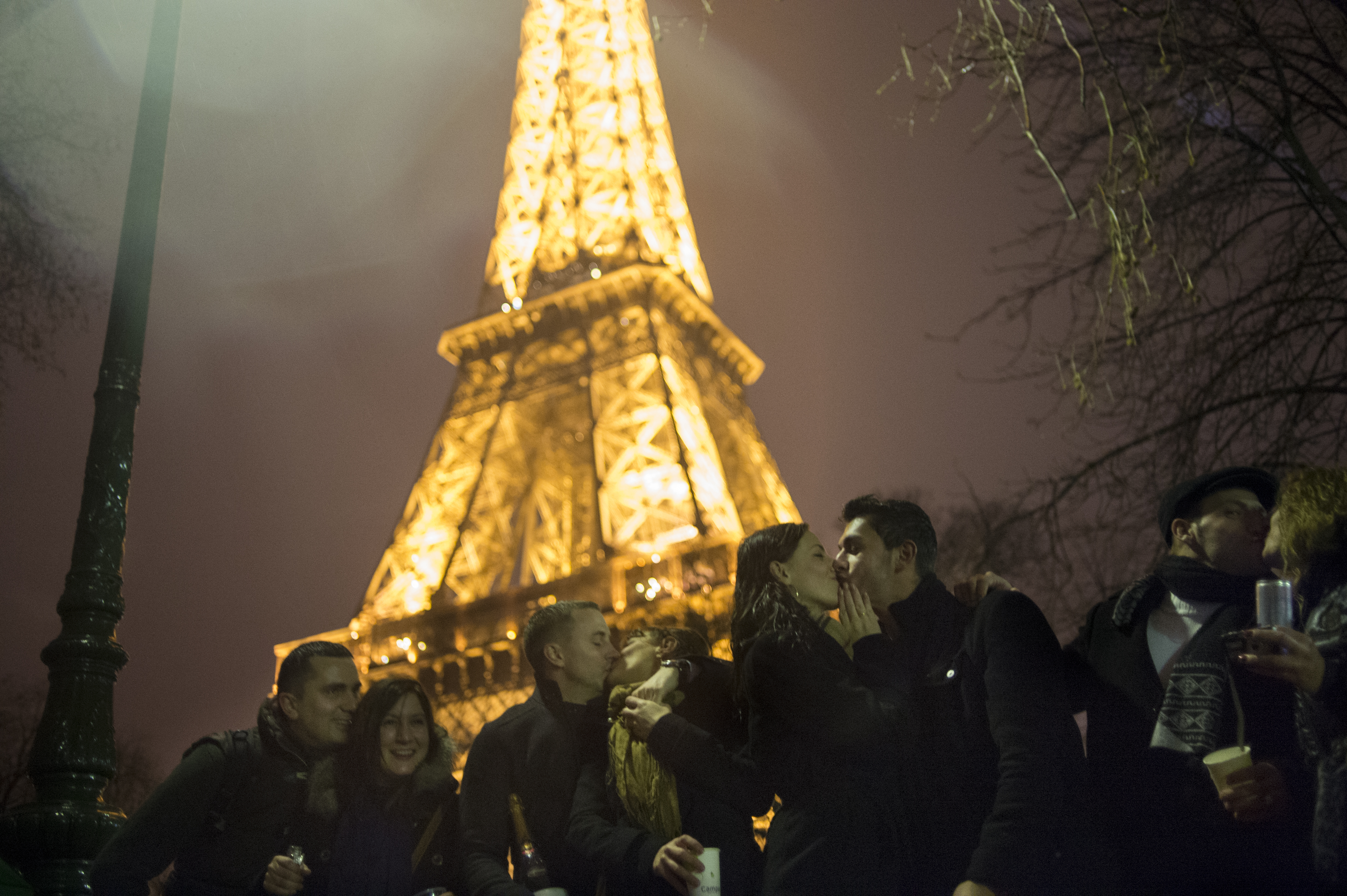 Paris New Year 39 S Eve 2016 Live Stream How To Watch France