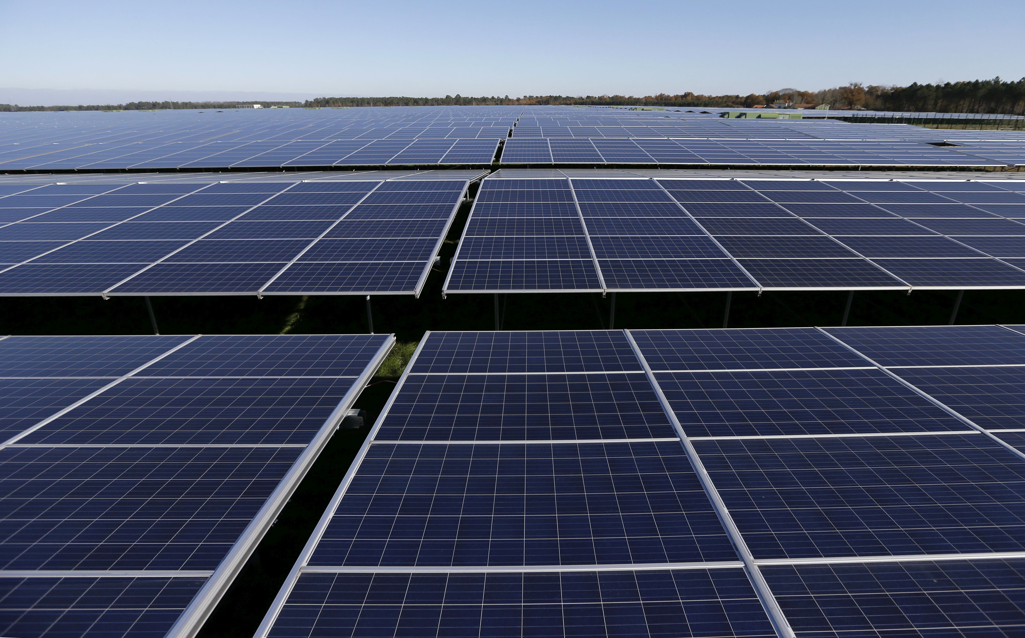 world 39 s first solar panel road opens up in normandy france. Black Bedroom Furniture Sets. Home Design Ideas