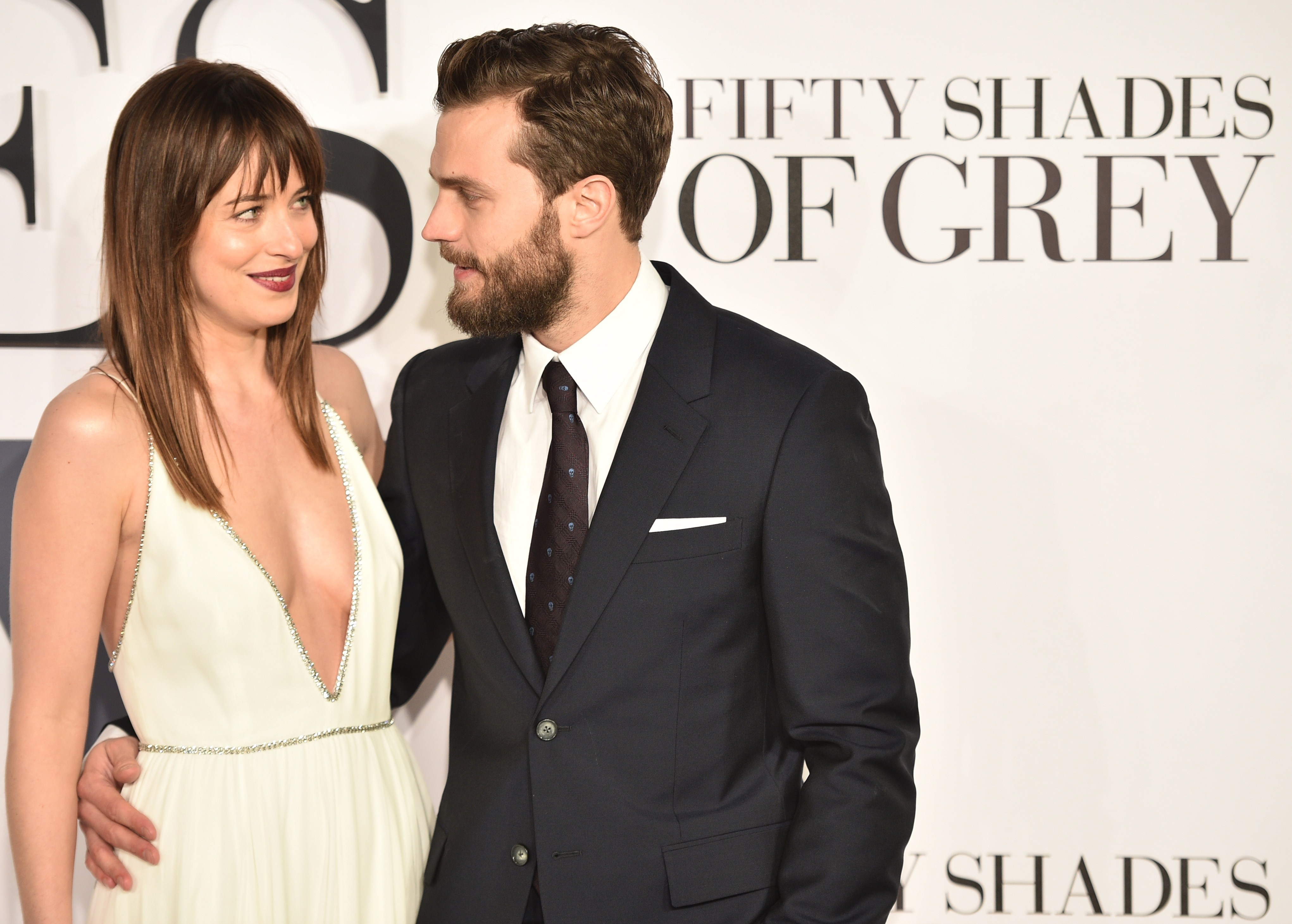 Fifty shades darker movie update e l james sequel to for 50 shades of grey movie sequel