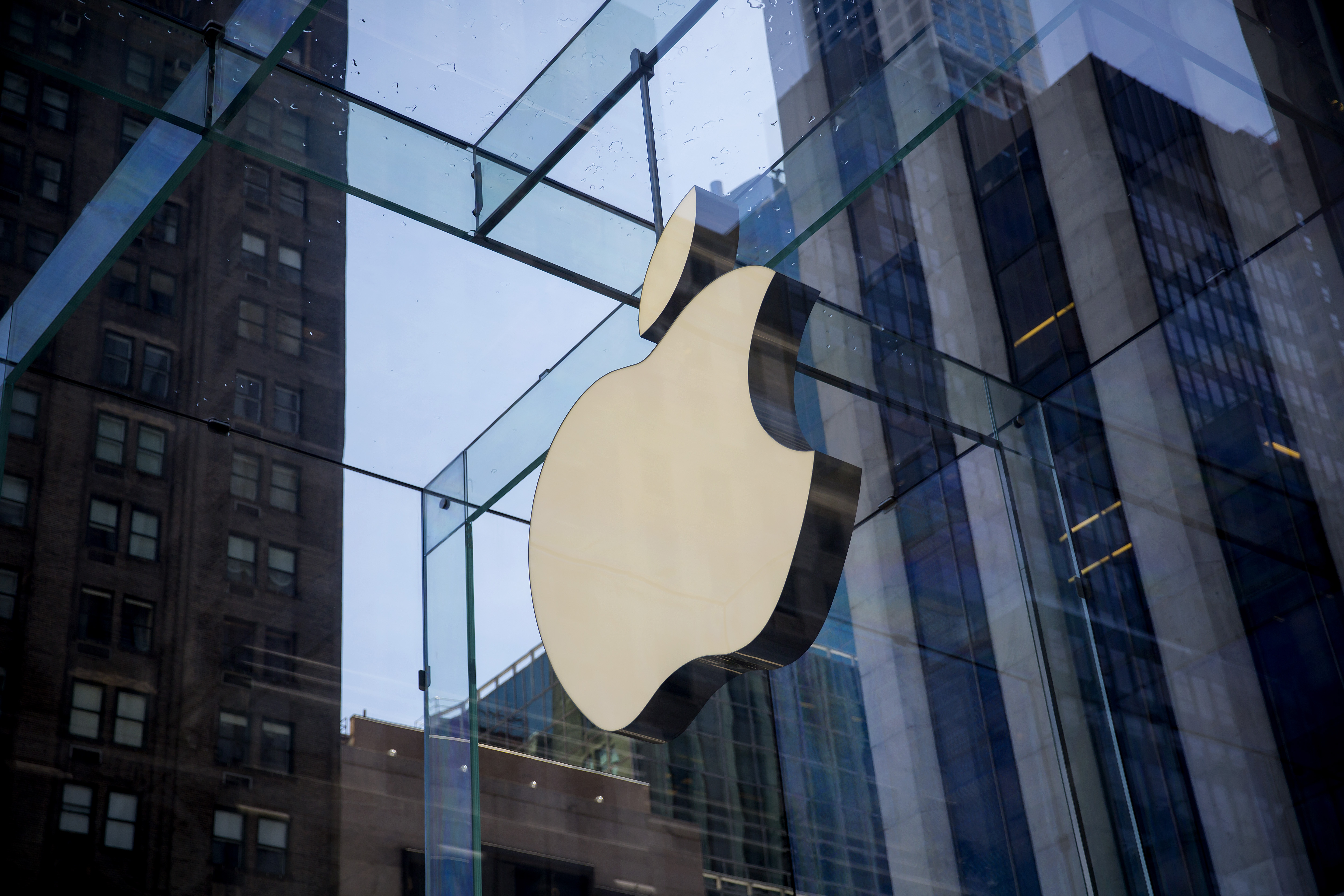 Apple Inc. Set For Biggest Pivot In History As R&D Spending Suggests Huge Bet On 'Project Titan' Electric Car