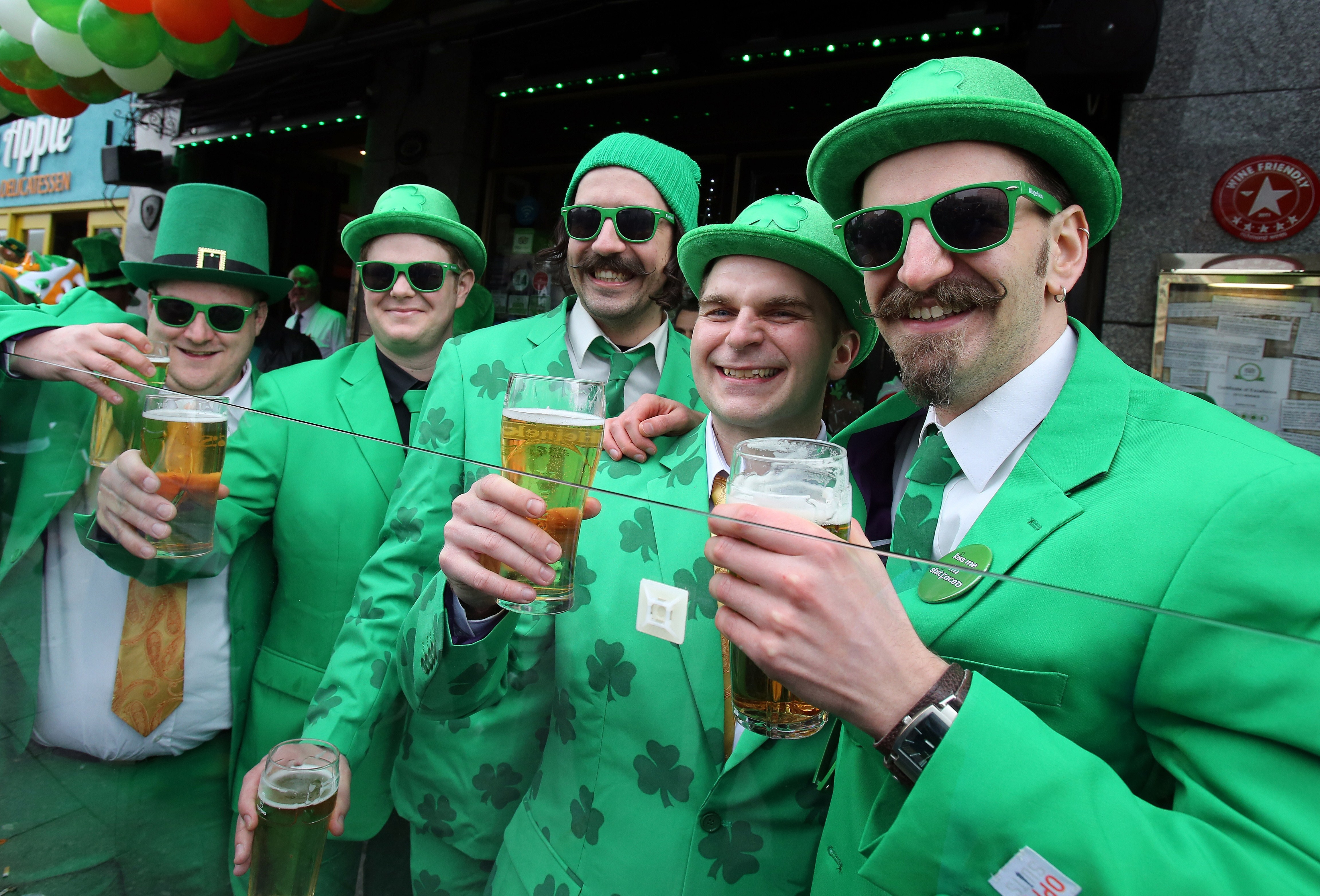 St patrick 39 s day playlist 2016 17 irish themed songs to - Immagini di st patrick day ...