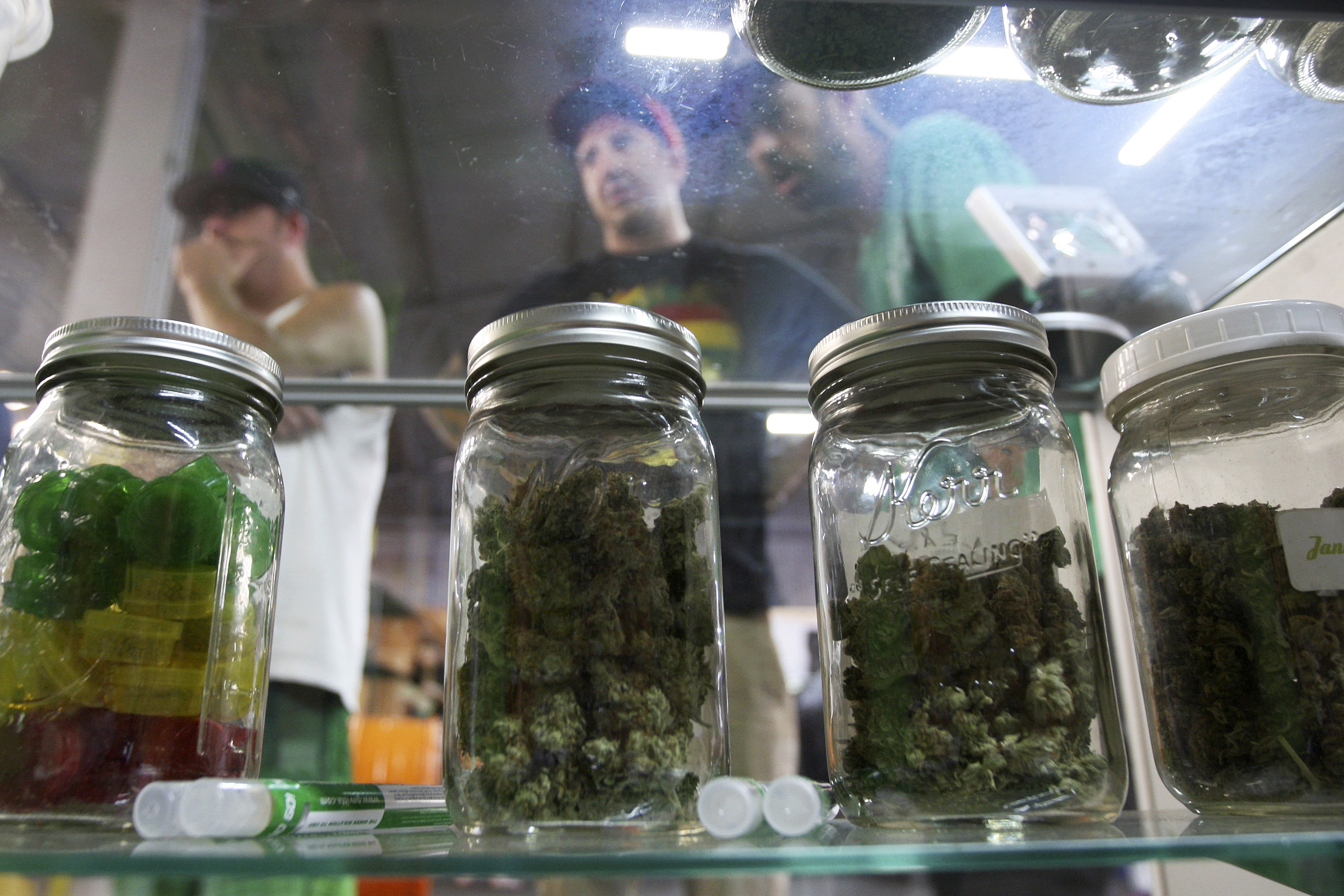 the arguments for the legalization of marijuana in the state of california Medical marijuana's legalization and crime rates 11 states legalized medical marijuana: alaska, california, colorado, hawaii 20 more states and.