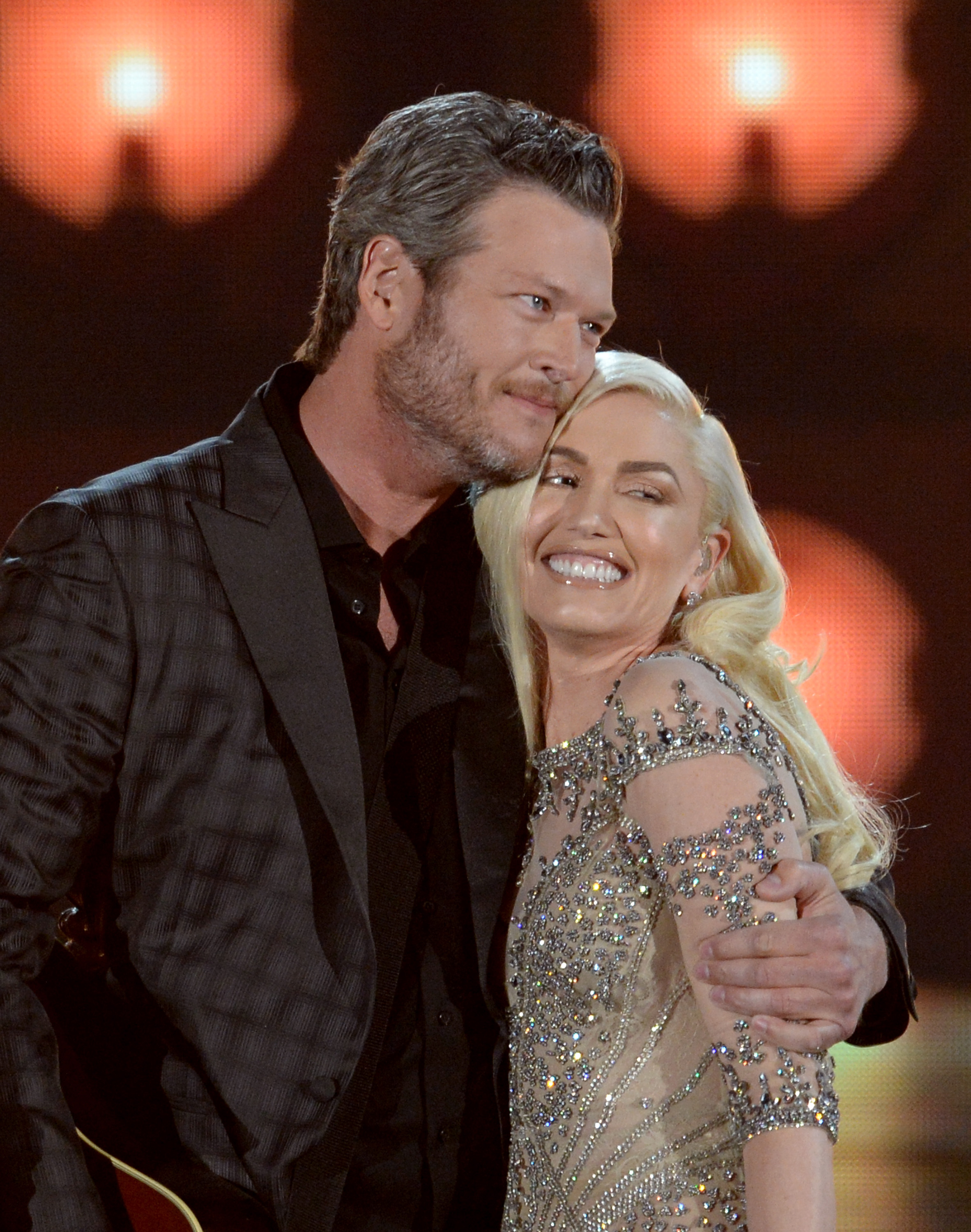 Gwen Stefani, Blake Shelton Update: Couple Perform At Charity Event, Shelton Applauds Future Wife's Singing