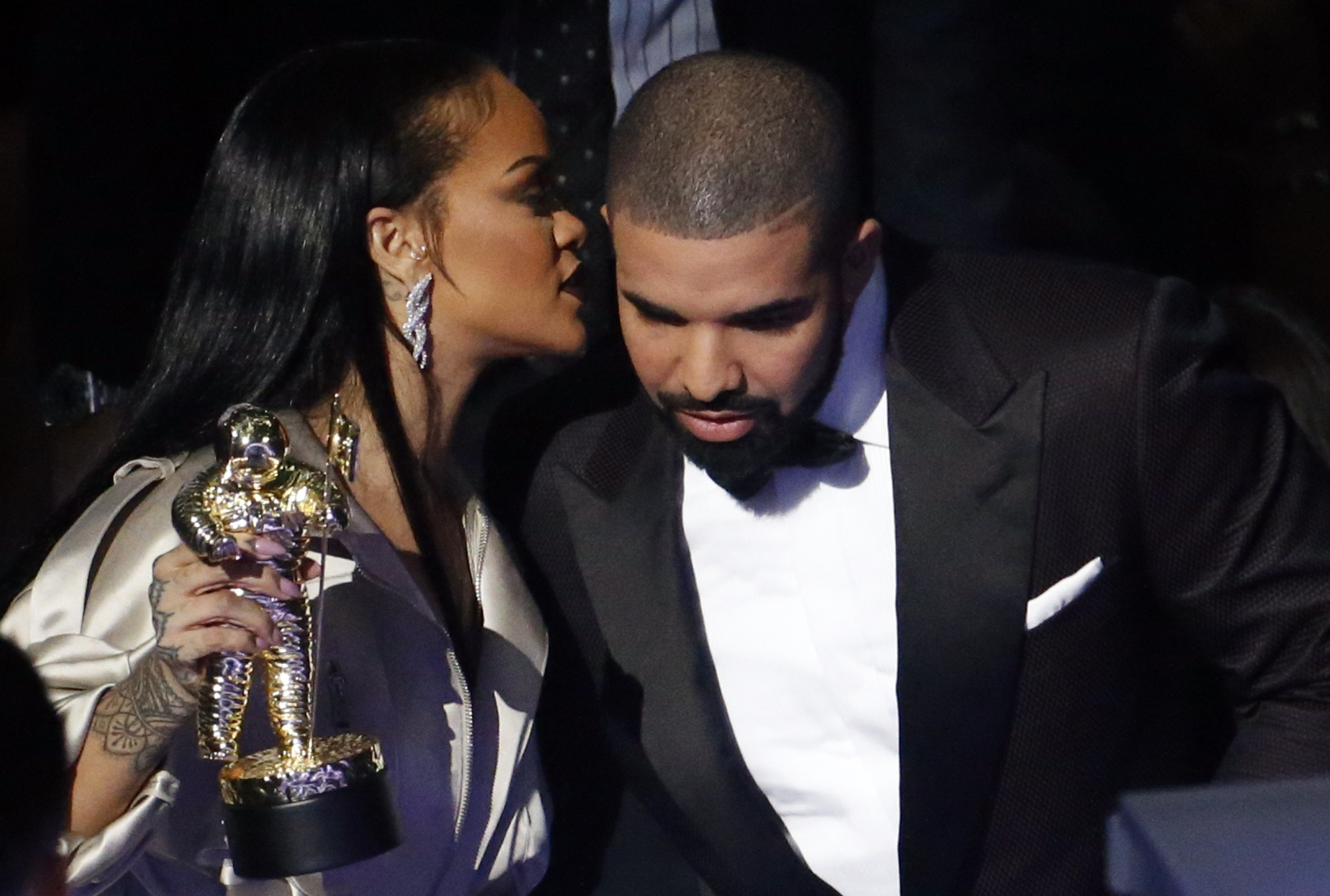 chris brown and rihanna 2016 relationship
