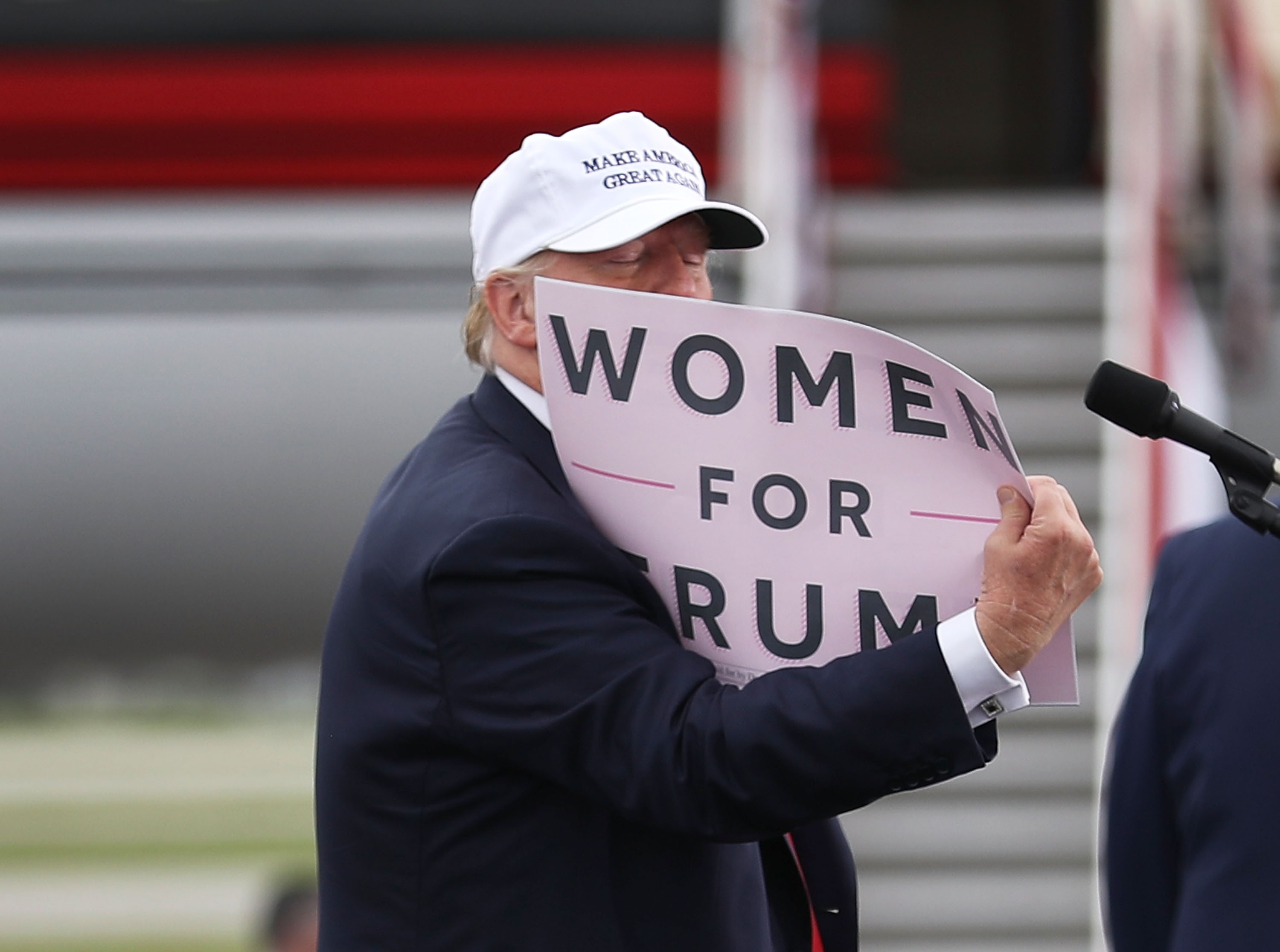 Donald Trump Sexual Assault Allegations: Billionaire Accused Of ...: http://www.ibtimes.com/donald-trump-sexual-assault-allegations-billionaire-accused-groping-kissing-women-2430985