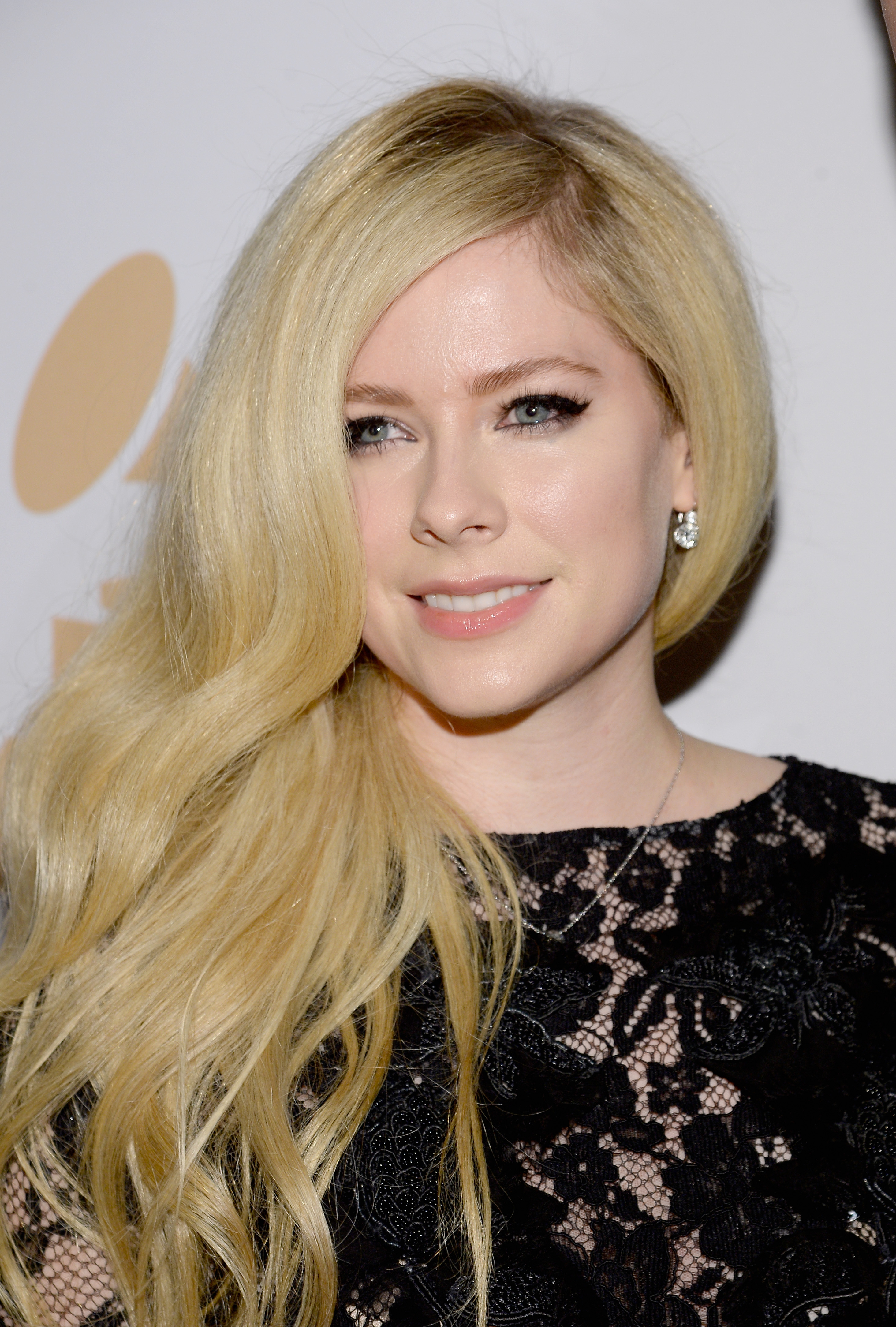 When Will Avril Lavigne Release A New Album? 'Complicated ... Avril Lavigne