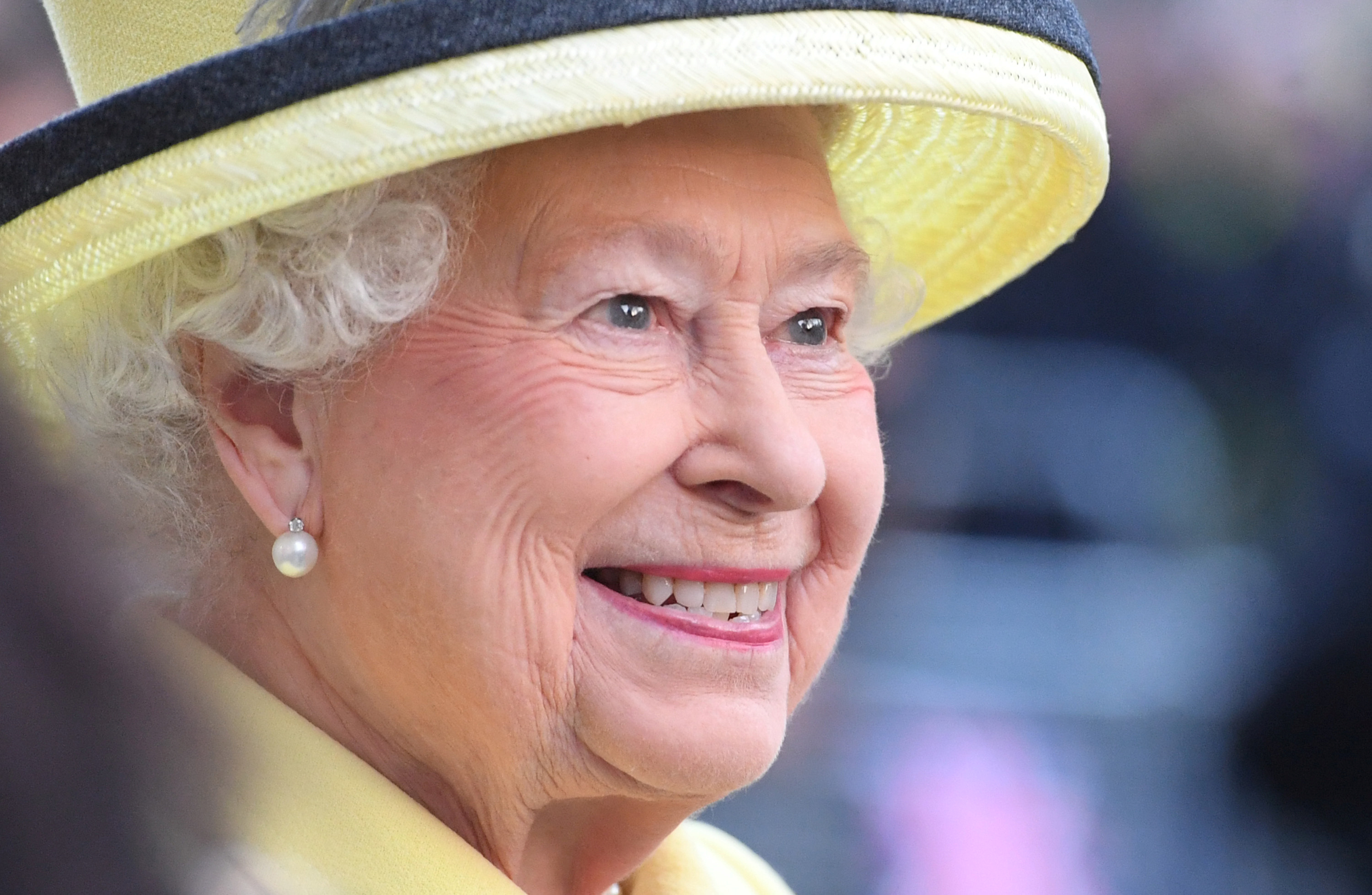 What Does The Queen Think Of Donald Trump? Elizabeth II Reportedly ...