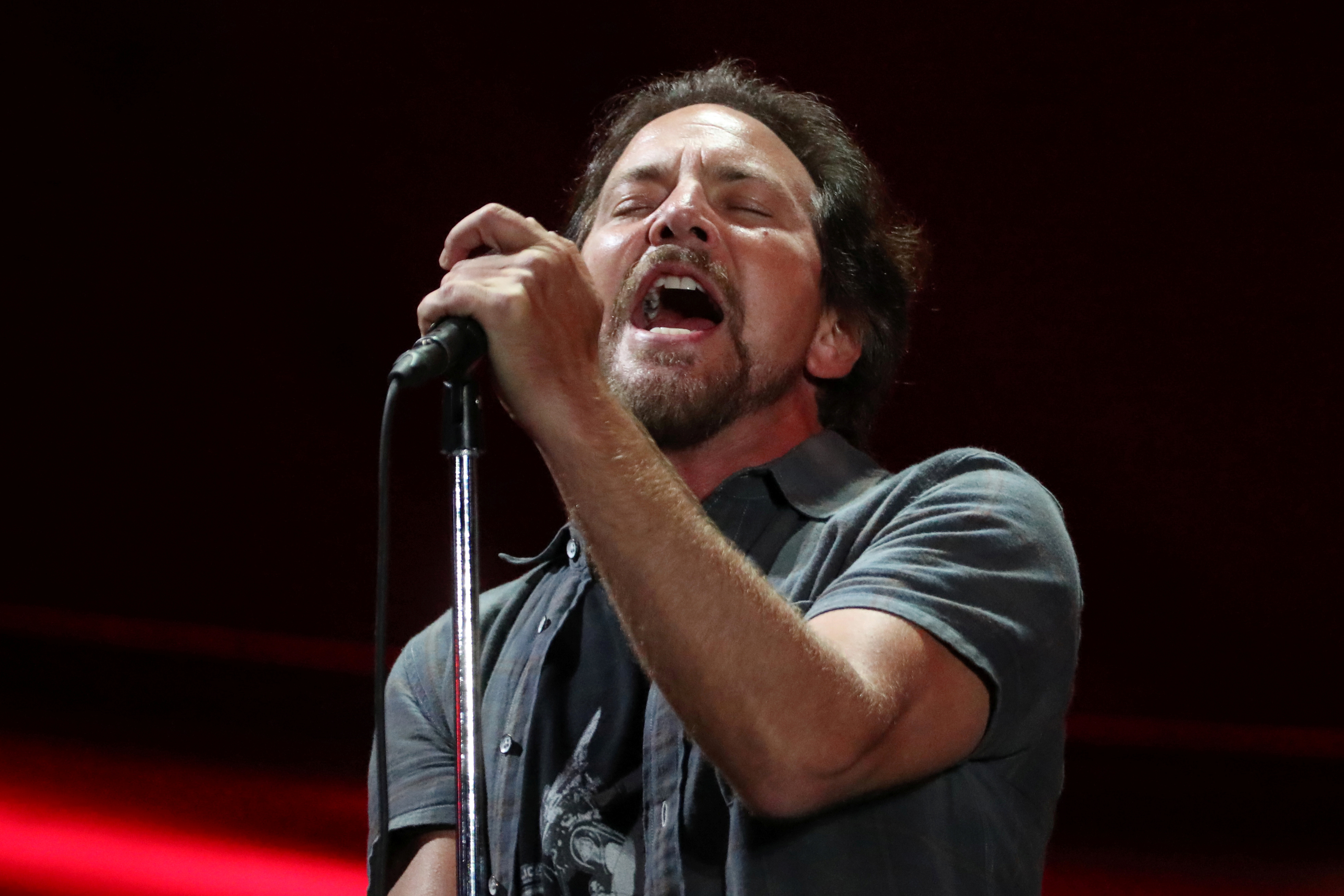 Eddie Vedder Pays Tribute To Chris Cornell Says He Will