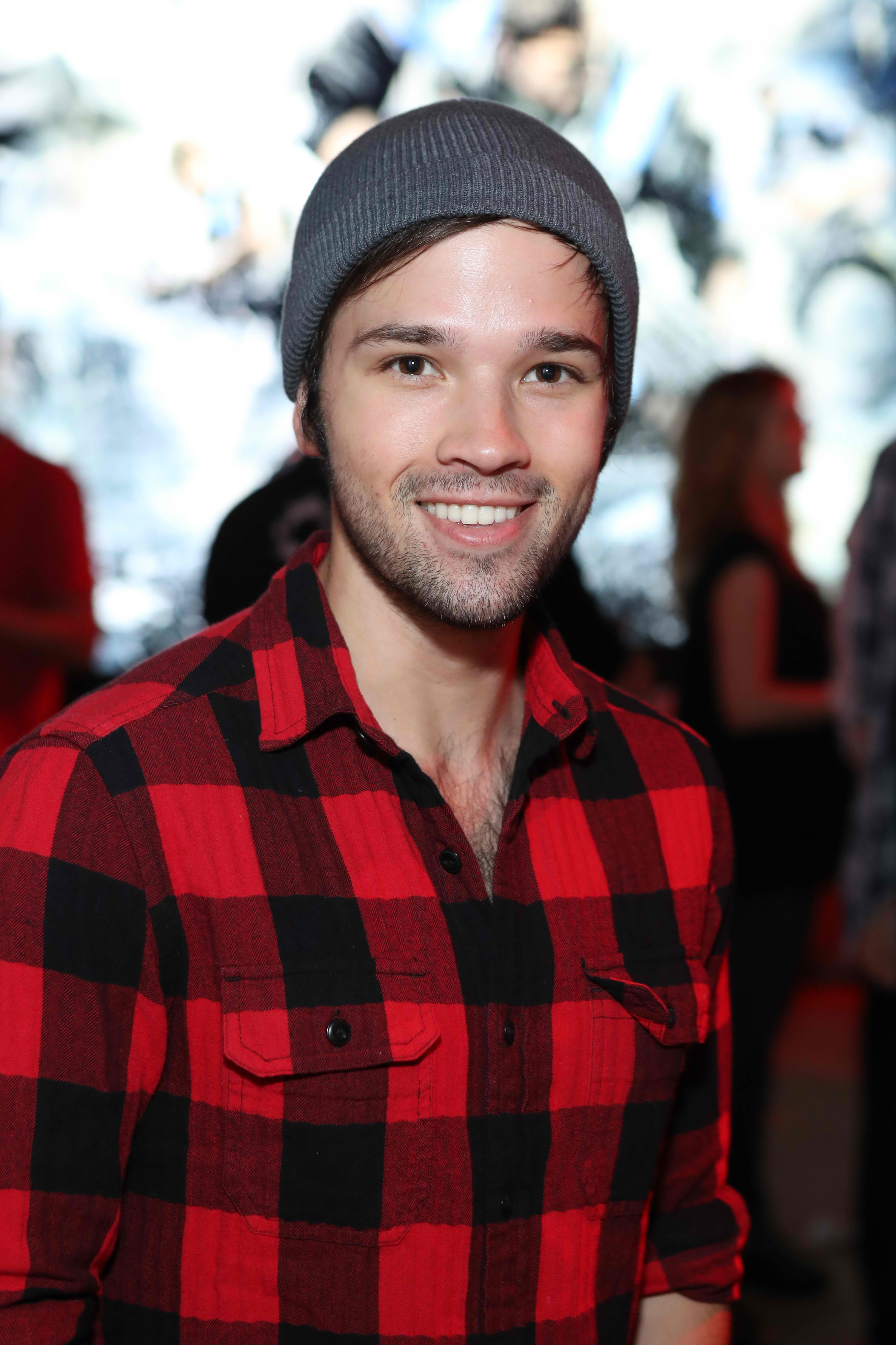 'iCarly' Star Nathan Kress And Wife London Elise Expecting ...