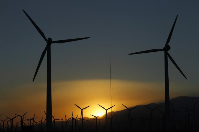 http://s1.ibtimes.com/sites/www.ibtimes.com/files/styles/article_large/public/2011/12/09/202771-wind-turbines-in-california.jpg