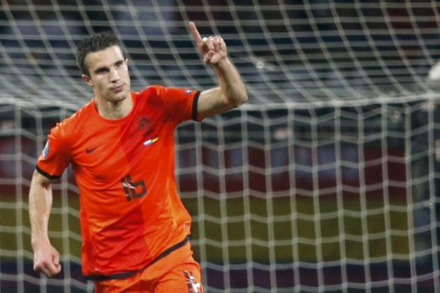 Manchester United Transfer News: Robin Van Persie Deal Set To Be Finalised