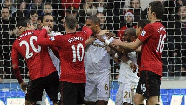 Manchester United News: Disgraceful Referee Robs United Of Deserved Win