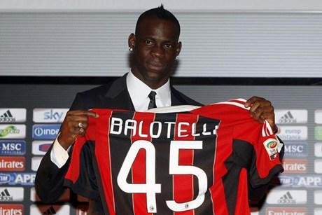 AC Milan Signing Mario Balotelli is a Bad Investment and Desperate Move to Make Champions League