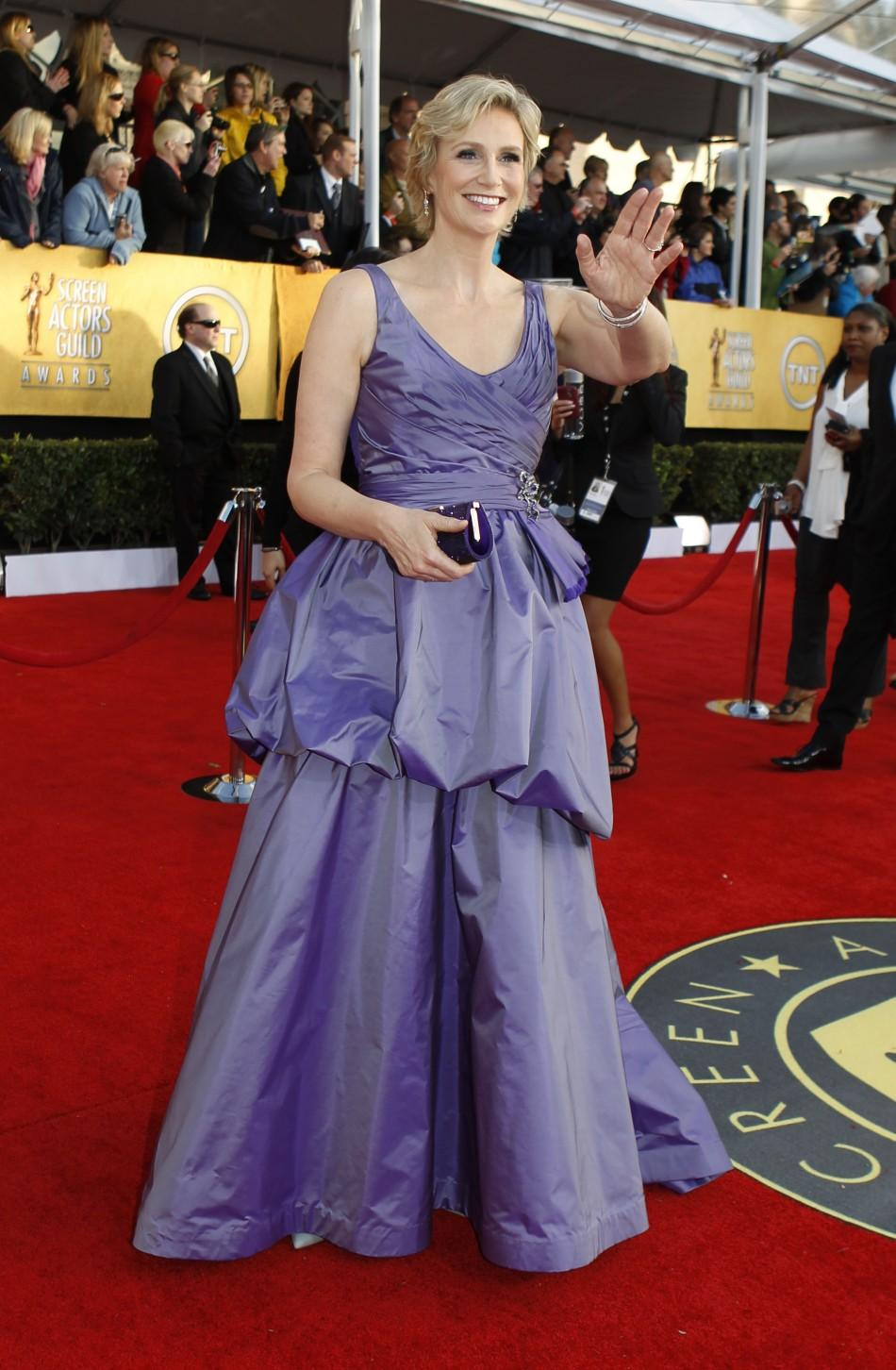 "Actress Jane Lynch from the TV comedy '""Glee"" arrives at the 17th annual Screen Actors Guild Awards in Los Angeles, California January 30, 2011."