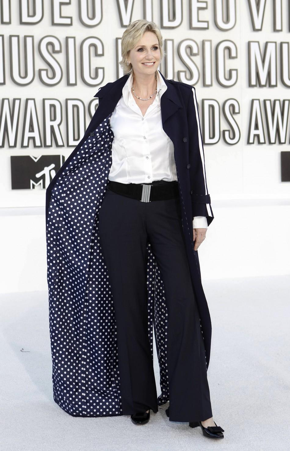 Actress Jane Lynch from the TV series 'Glee' poses as she arrives at the 2010 MTV Video Music Awards in Los Angeles, California, September 12, 2010.