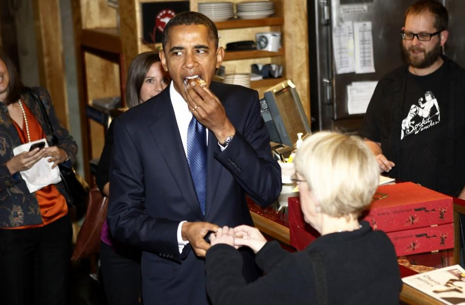 U.S. President Barack Obama and Washington State Democratic Senator Patty Murray stop at a donut shop in Seattle