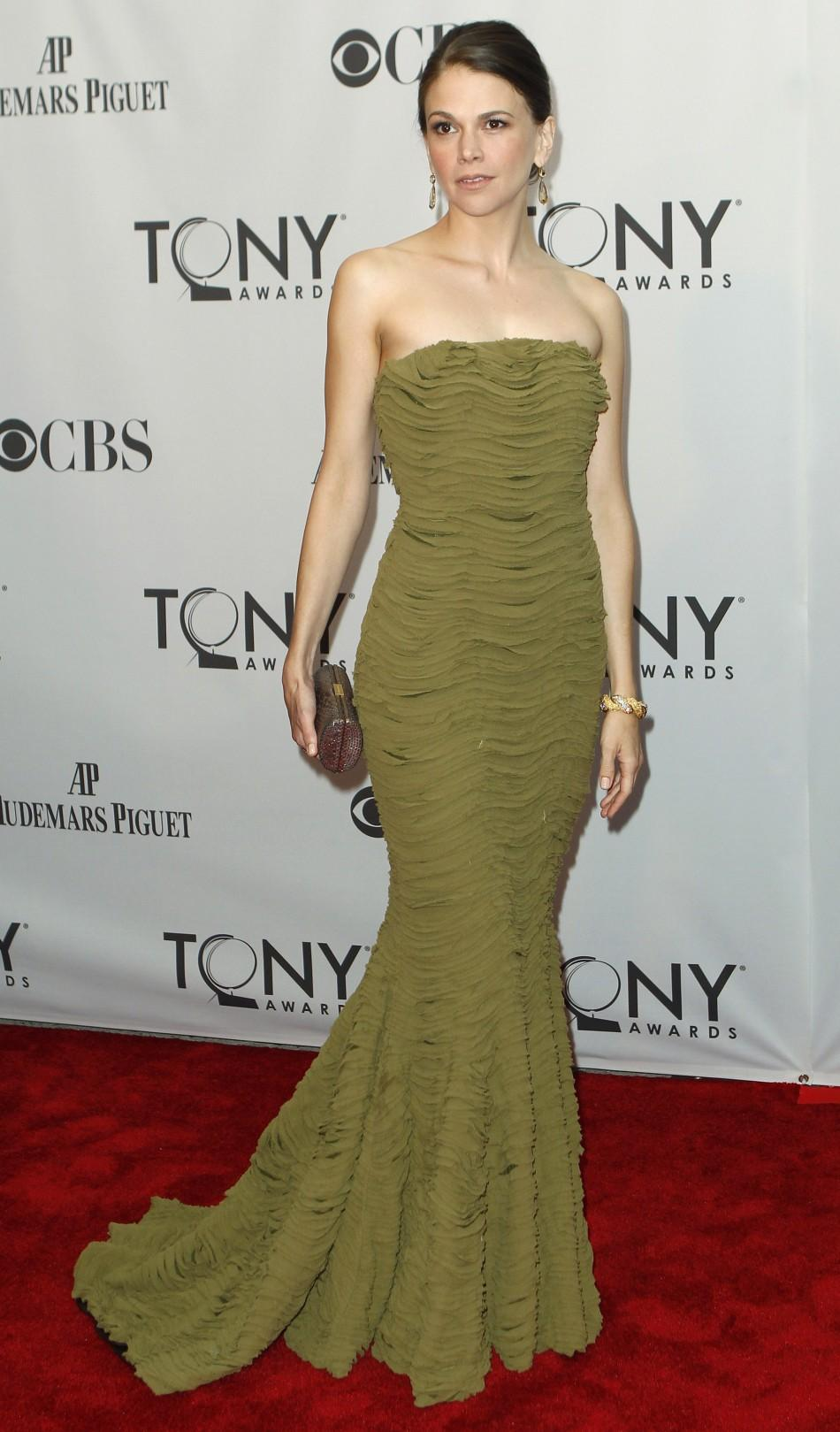 Sutton Foster, nominated for best performance by an actress in a leading role in a musical for 'Anything Goes' poses as she arrives during the American Theatre Wing's 65th annual Tony Awards ceremony in New York, June 12, 2011