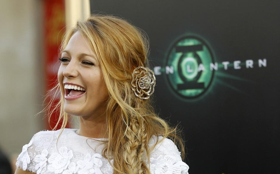 """Lively poses at the premiere of """"Green Lantern"""" at the Grauman's Chinese theatre in Hollywood"""