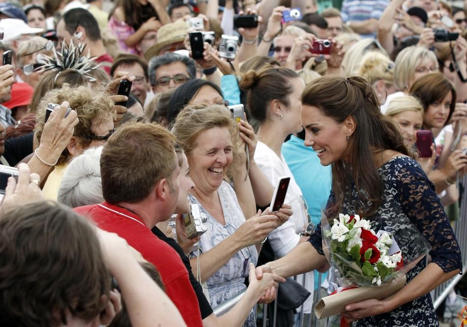 Kate Middleton Canada tour: Thousands of royal fans greet the Duchess.