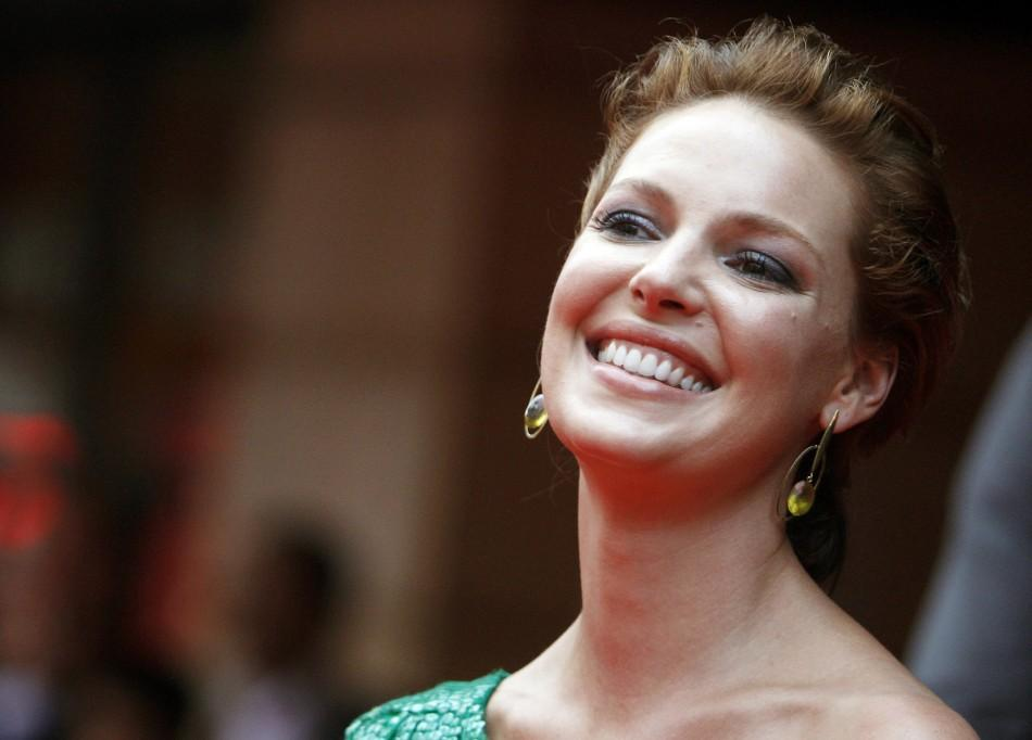 "Katherine Heigl poses for photographers at the European premiere of ""The Ugly Truth"" at Leicester Square in London, August 4, 2009. Heigl made $19 million last year."