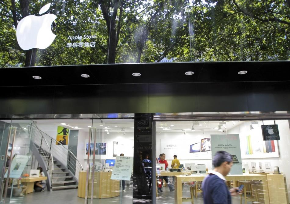China, Counterfeit Haven Creates Fake Apple Store and More (Photos)