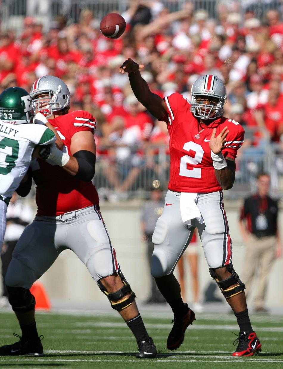 Ohio State University quarterback Terrelle Pryor (2) passes to a receiver against Eastern Michigan University during the first quarter of their NCAA football game in Columbus, Ohio September 25, 2010.