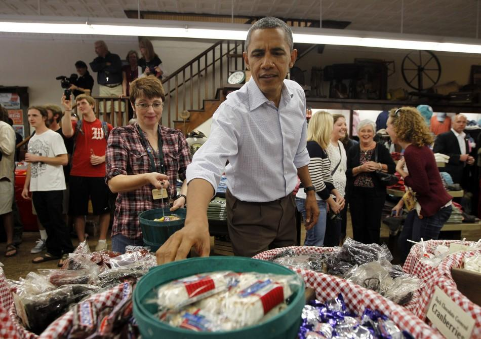 Obama Shops for Halloween Treats
