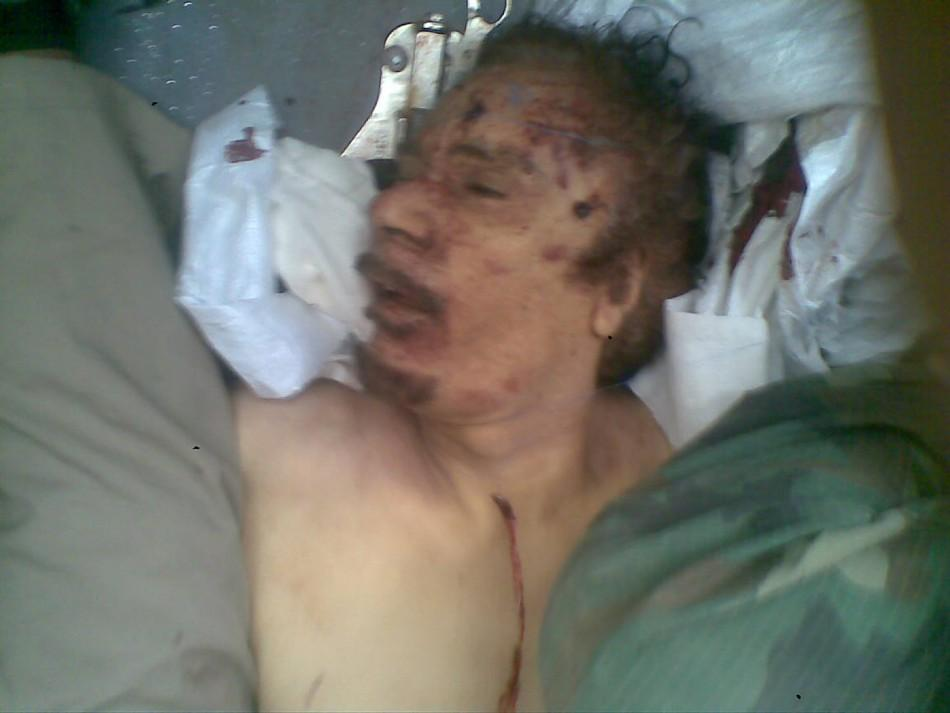 Gadhafi's body on truck to Misrata