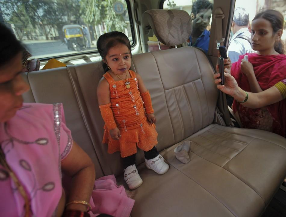 Jyoti Amge, World's Shortest Woman, Campaigns in Indian Local Elections