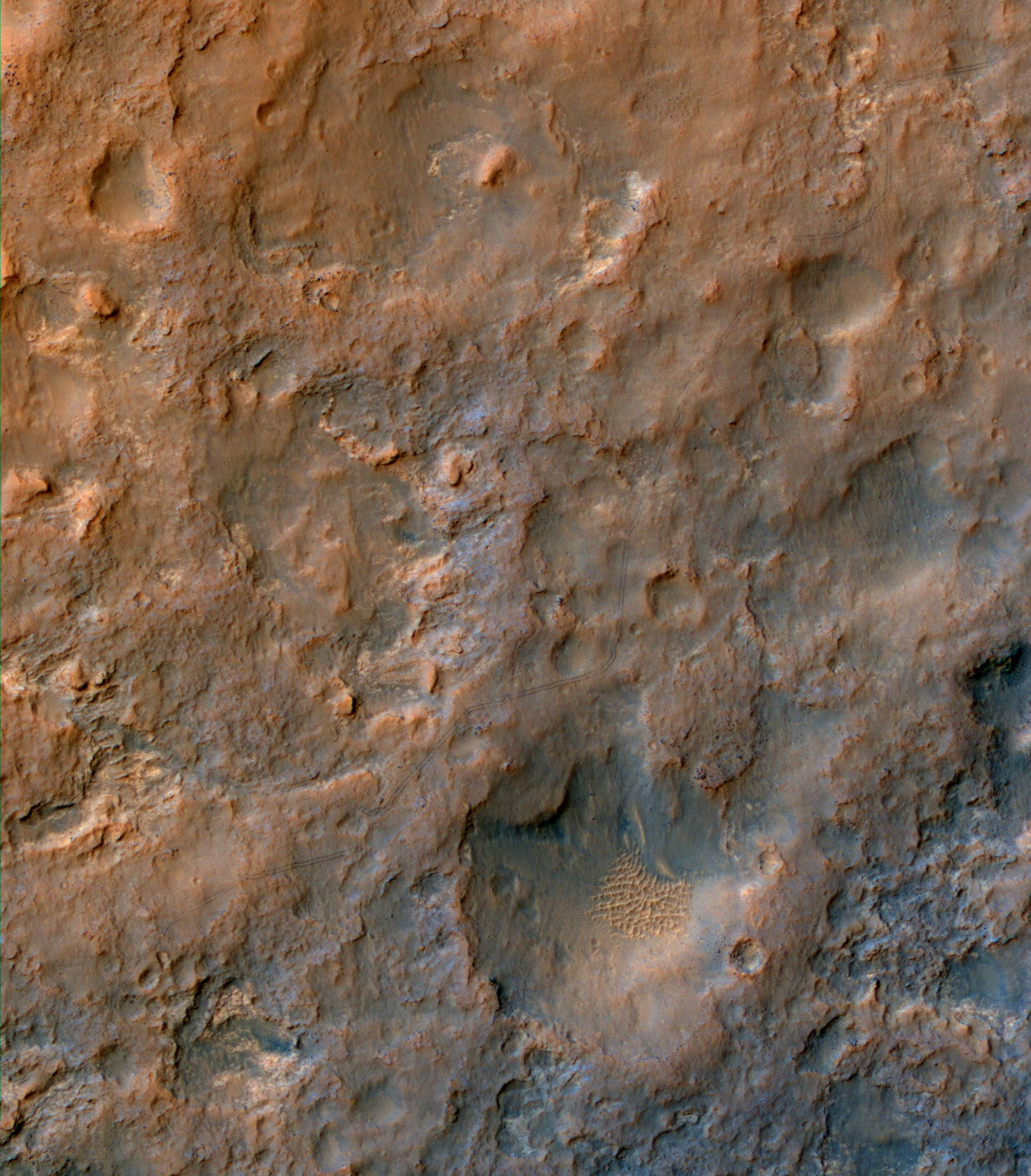 pia17754_hirise_of_tracks_dec2013_0